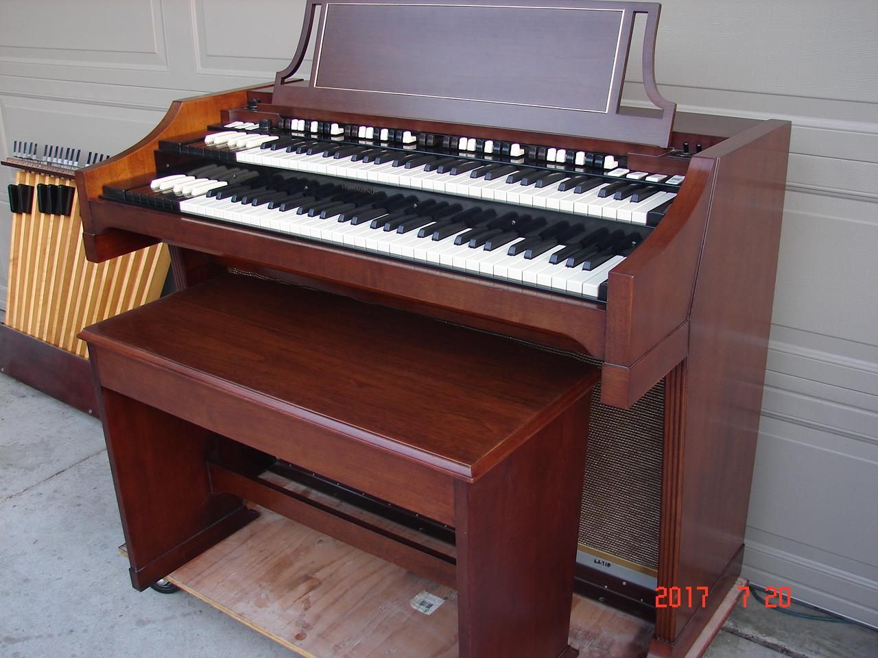 Hammond Organ & Keyboard Service image 3
