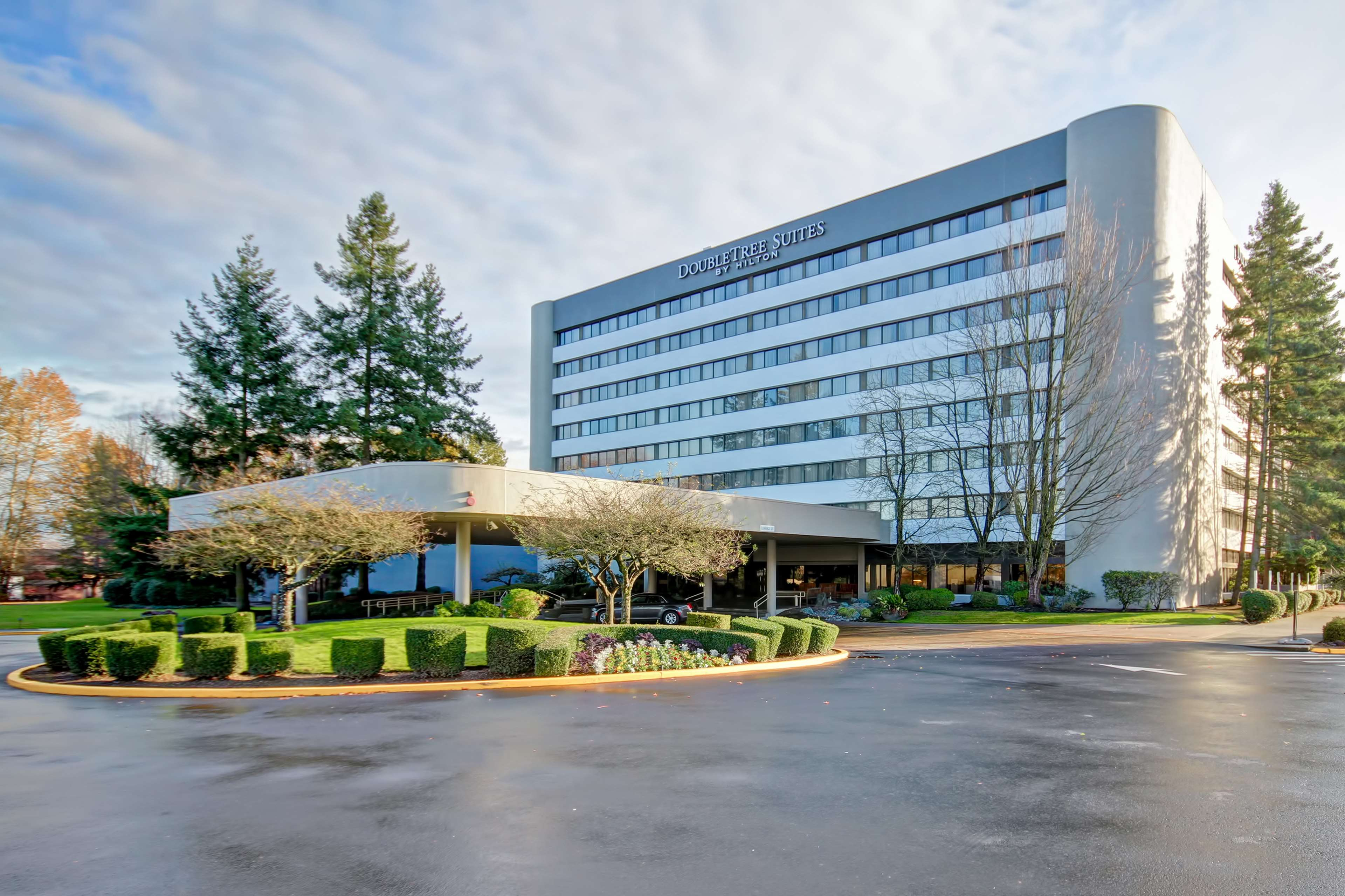 DoubleTree Suites by Hilton Hotel Seattle Airport - Southcenter image 0