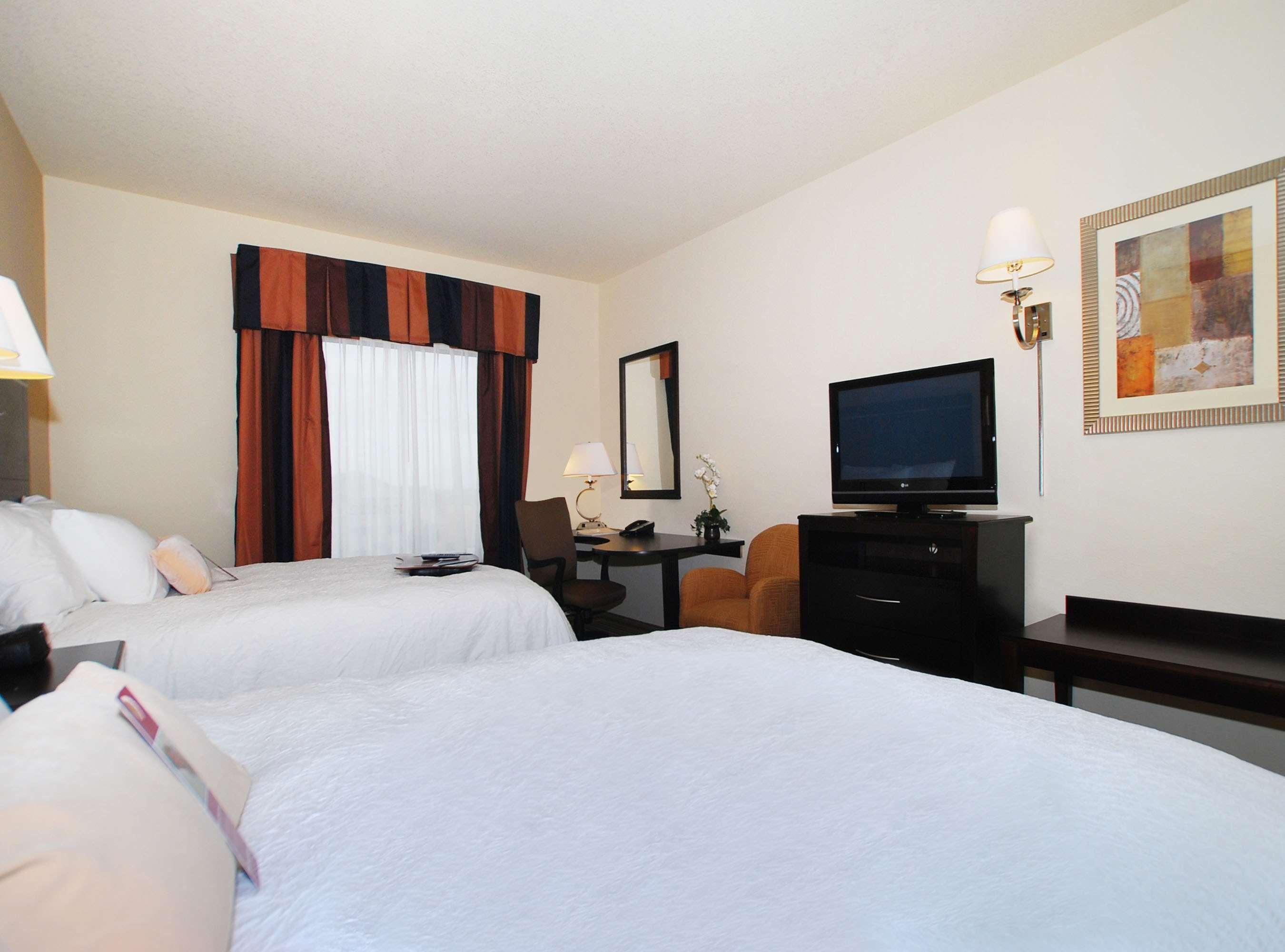 Hampton Inn & Suites Childress image 14