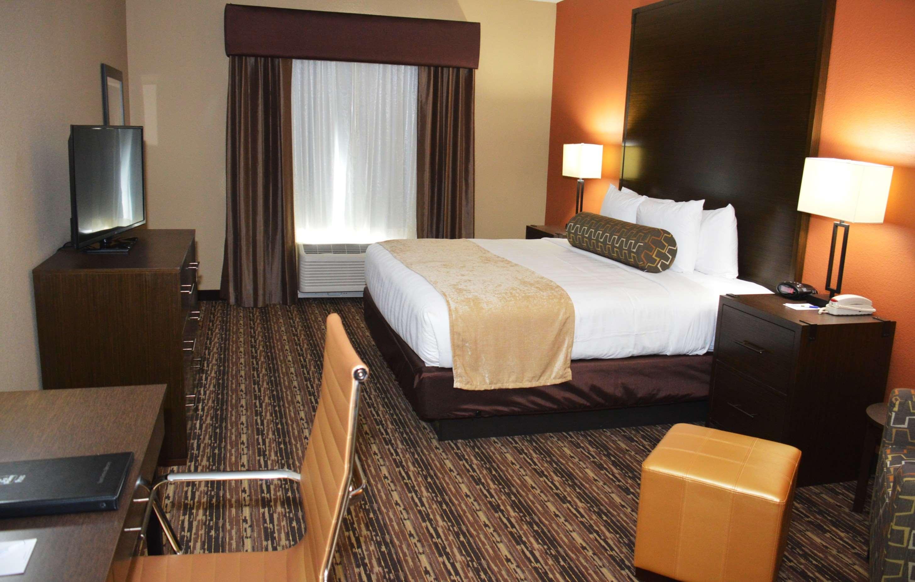 Best Western Plus Elmendorf Hotel image 13