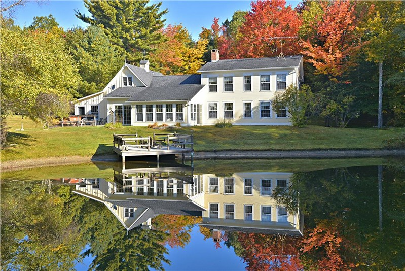 Stowe Country Homes image 38