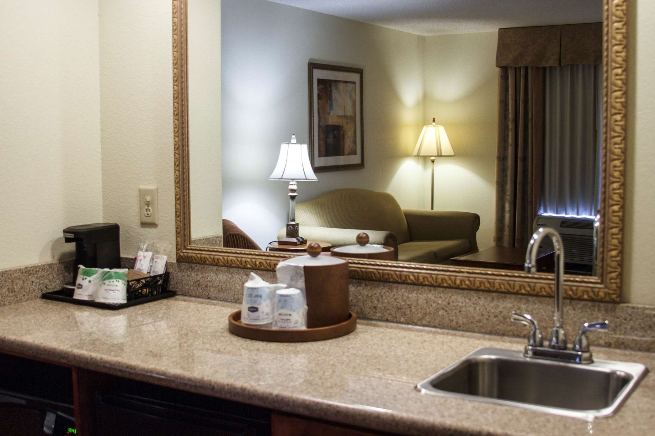 Hampton Inn & Suites Jennings image 32