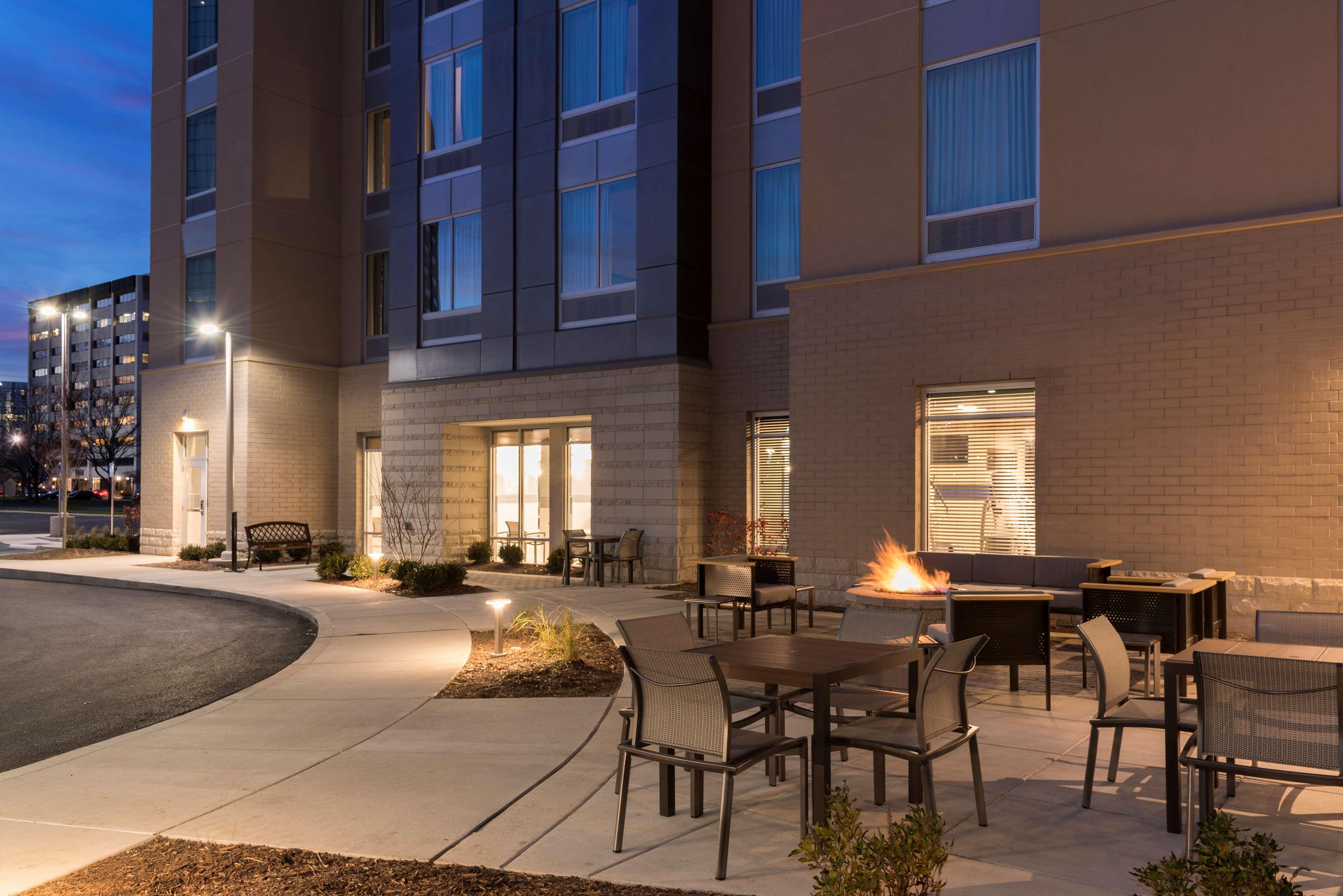 Hampton Inn & Suites Indianapolis-Keystone image 0
