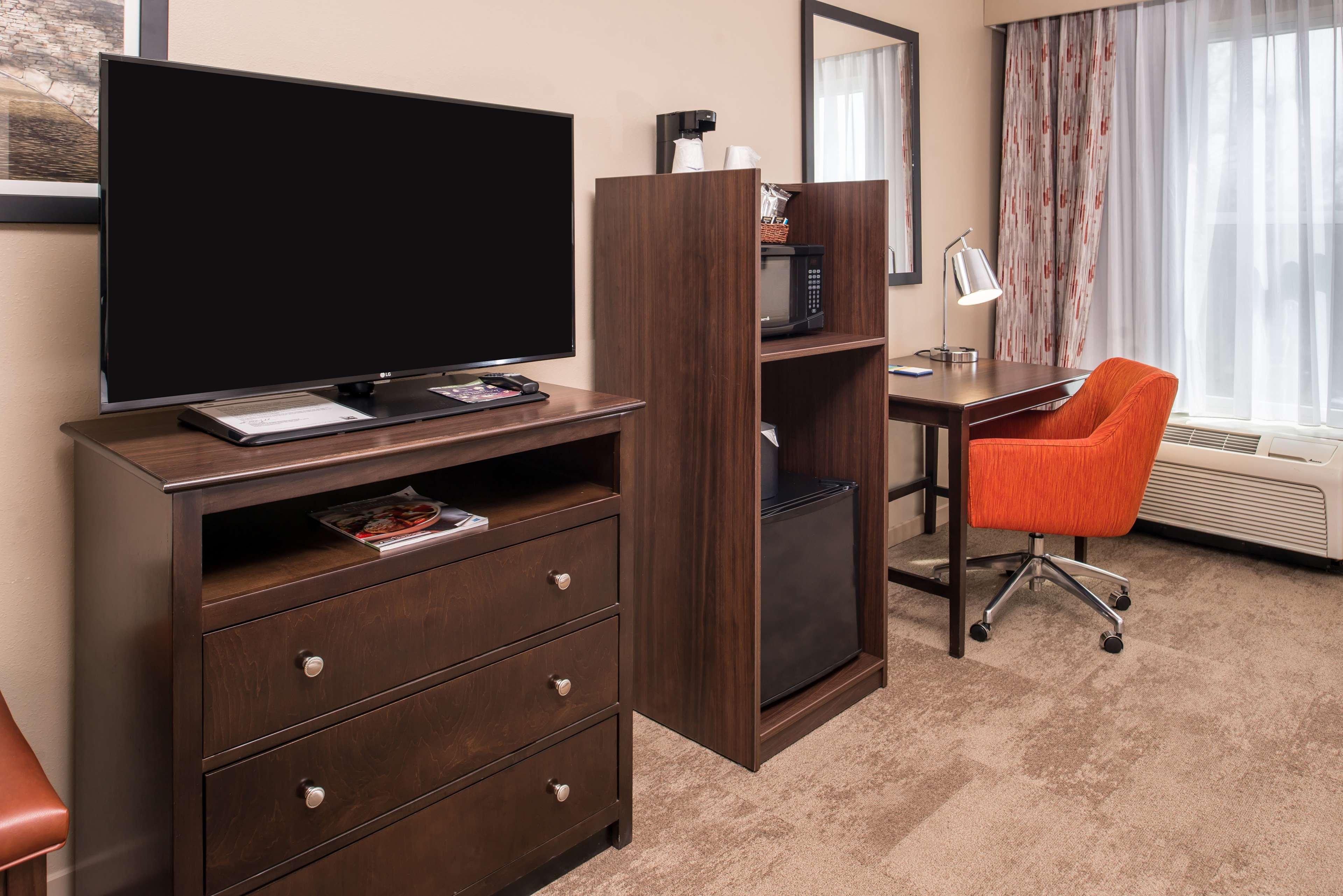 Hampton Inn & Suites Charlotte-Arrowood Rd. image 21