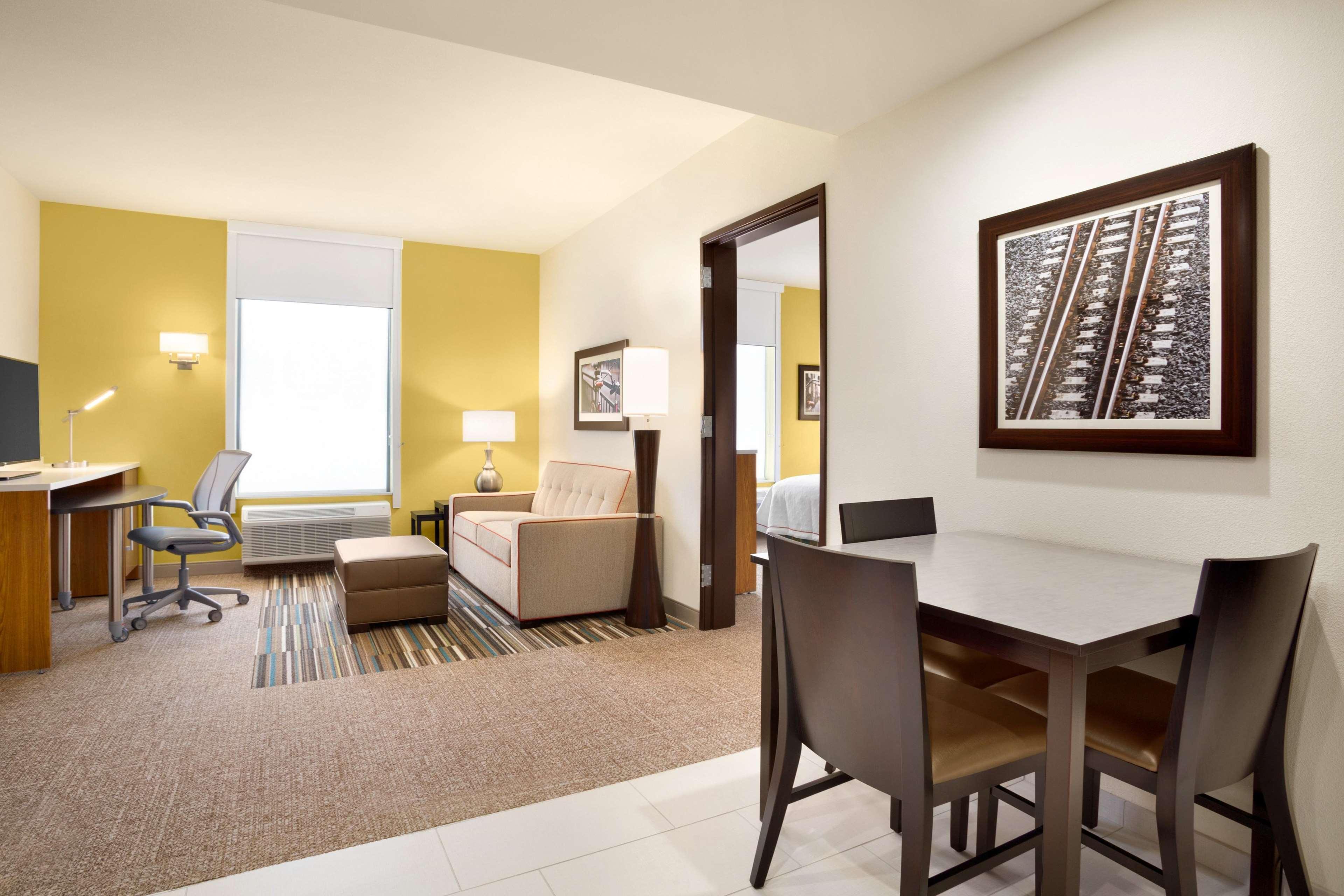 Home2 Suites by Hilton Birmingham Downtown image 9