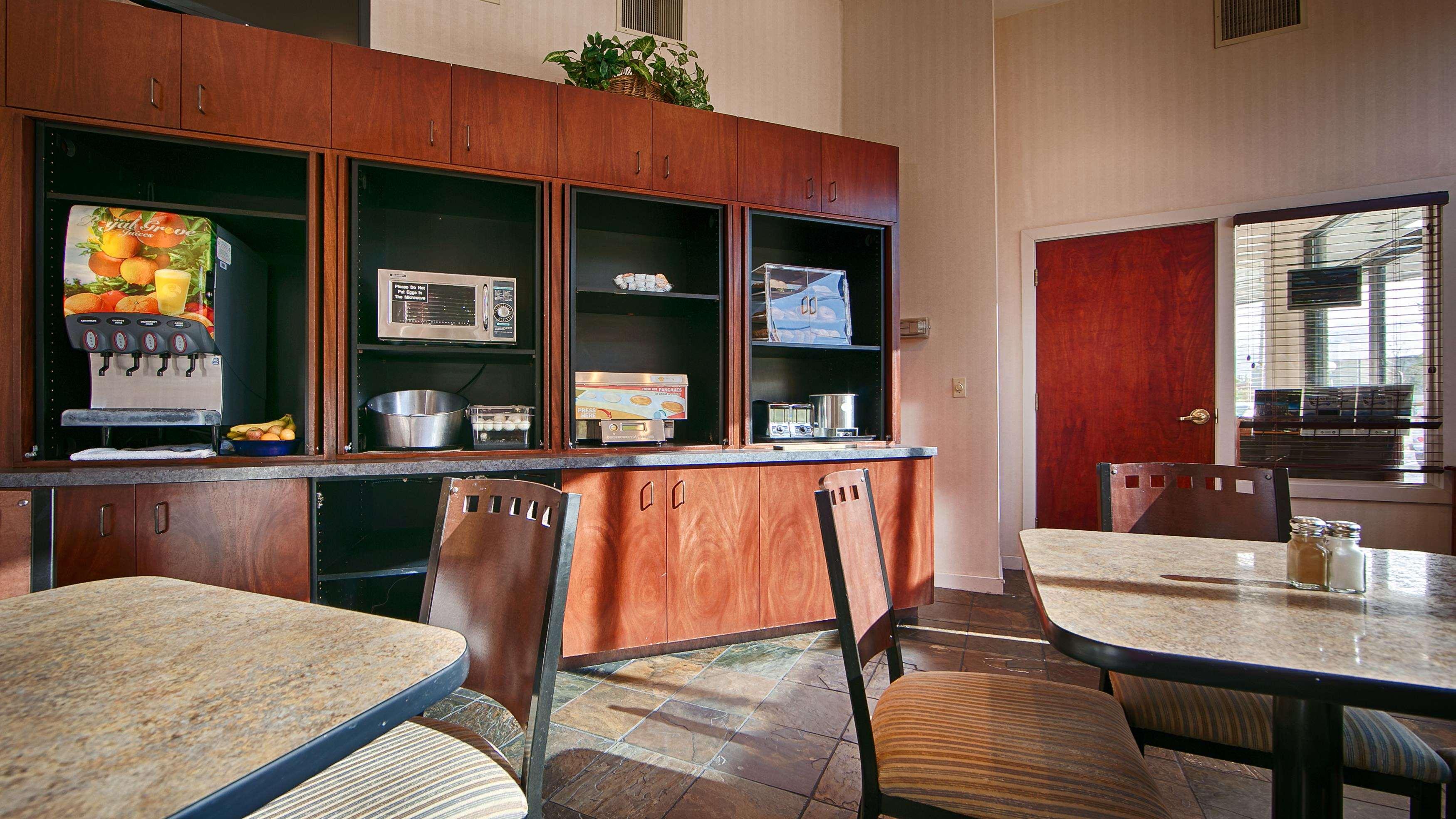 Best Western Greentree Inn image 36