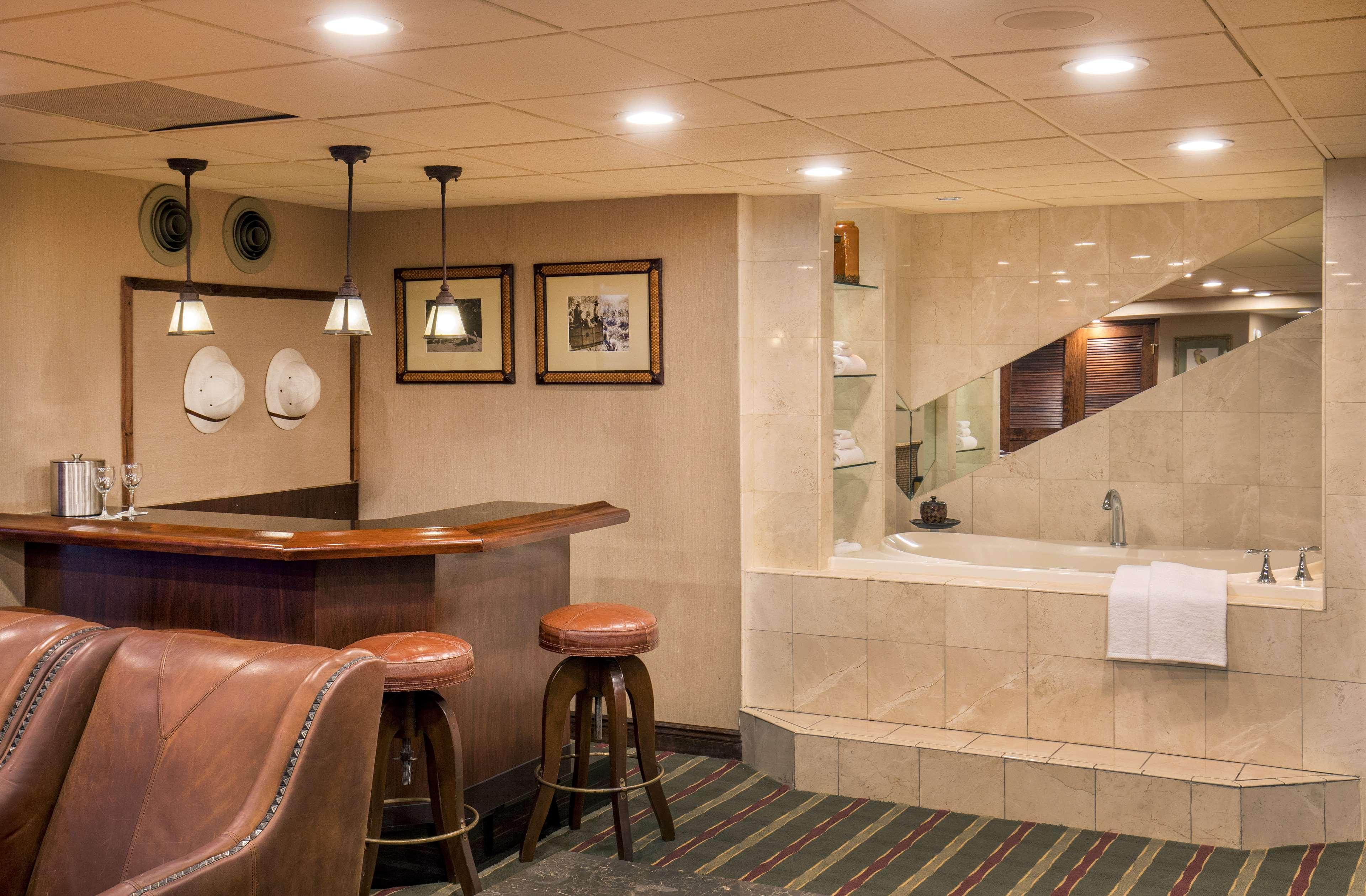 Pier 5 Hotel Baltimore, Curio Collection by Hilton image 10
