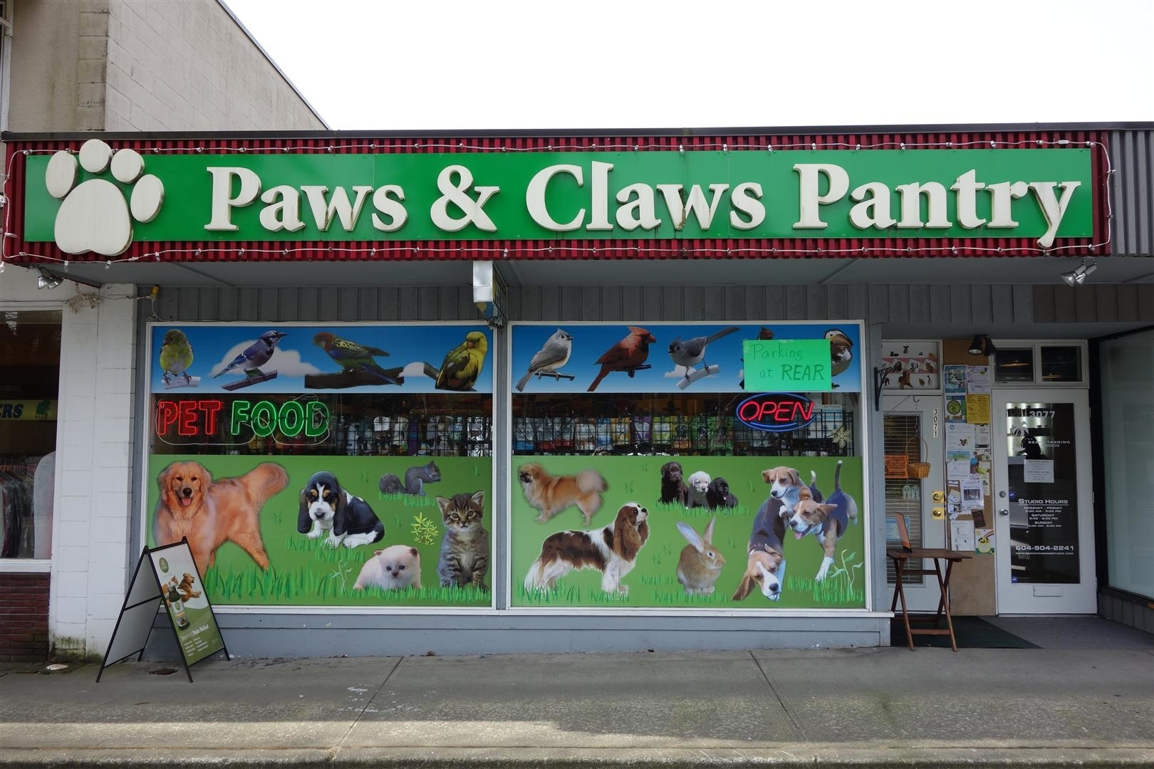 Paws & Claws Pantry in North Vancouver