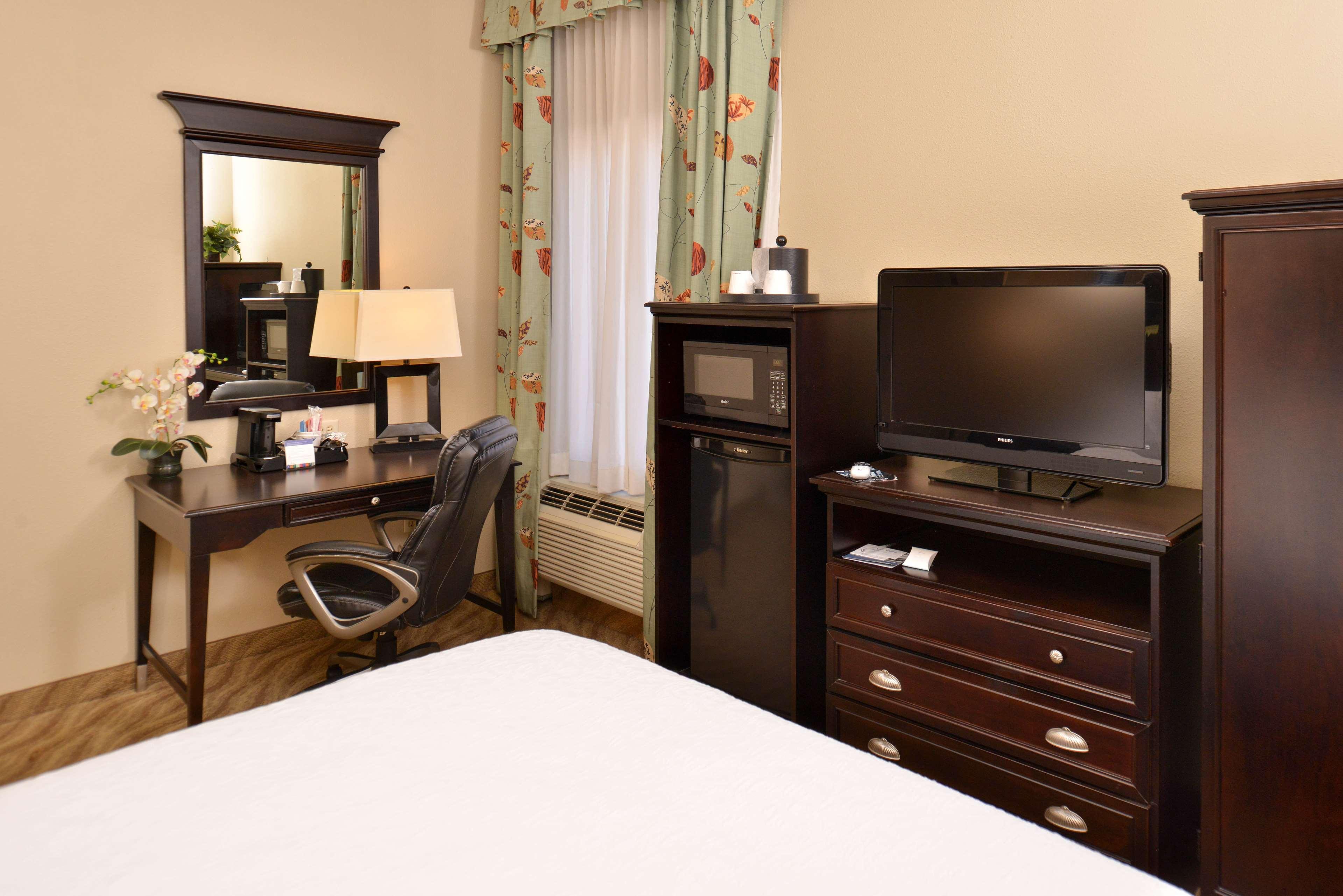 Hampton Inn Van Horn image 25