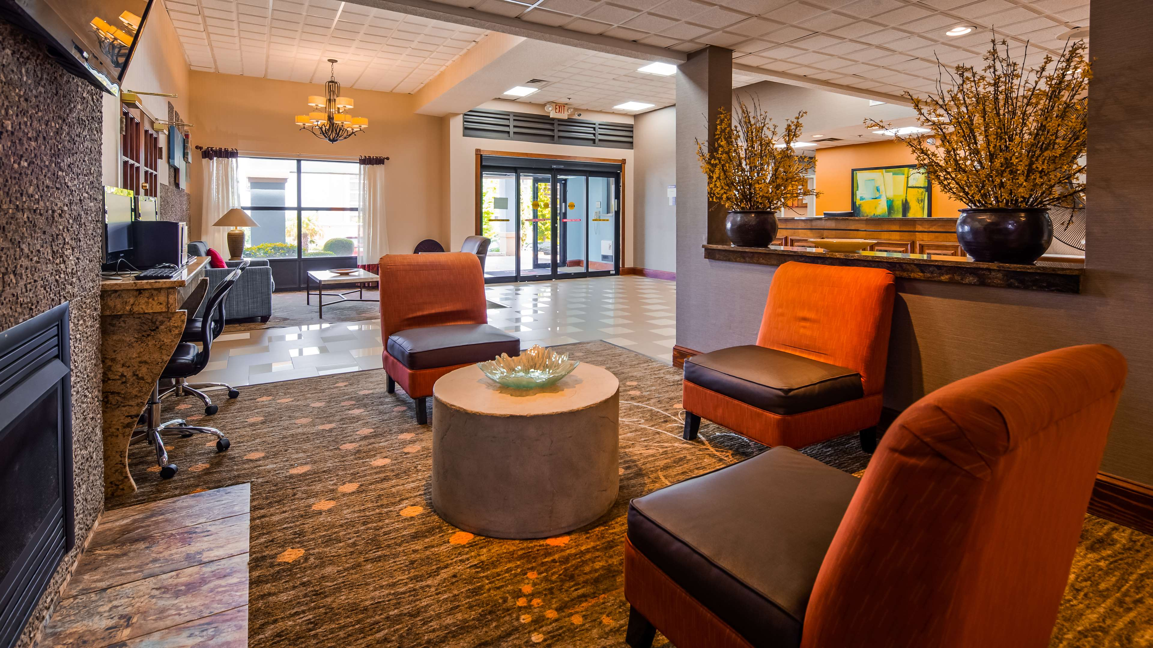 Best Western Plus Hotel & Suites Airport South image 3