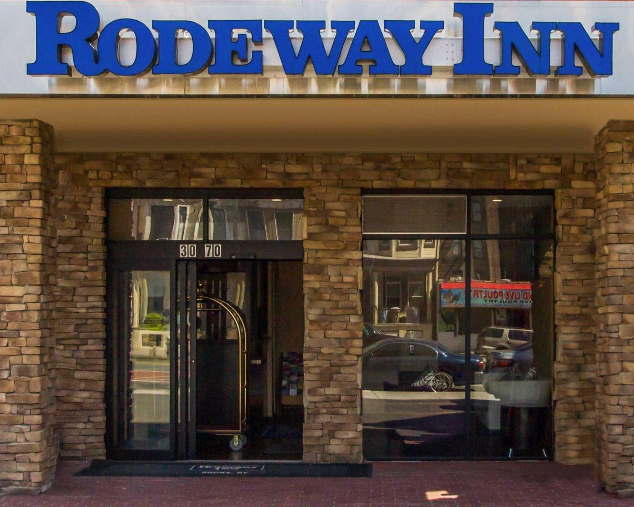 Rodeway Inn Bronx Zoo image 0