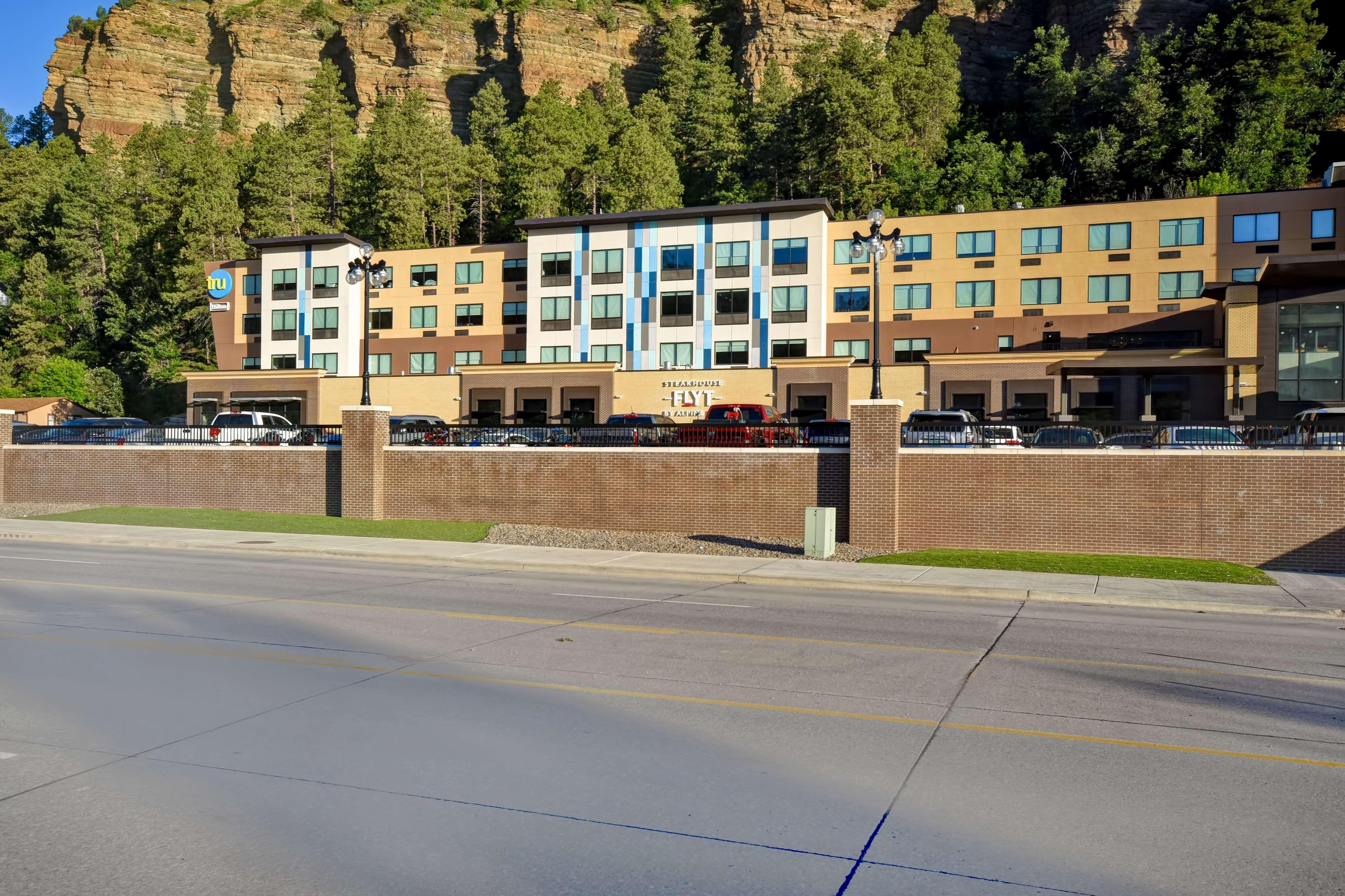 Tru by Hilton Deadwood image 3