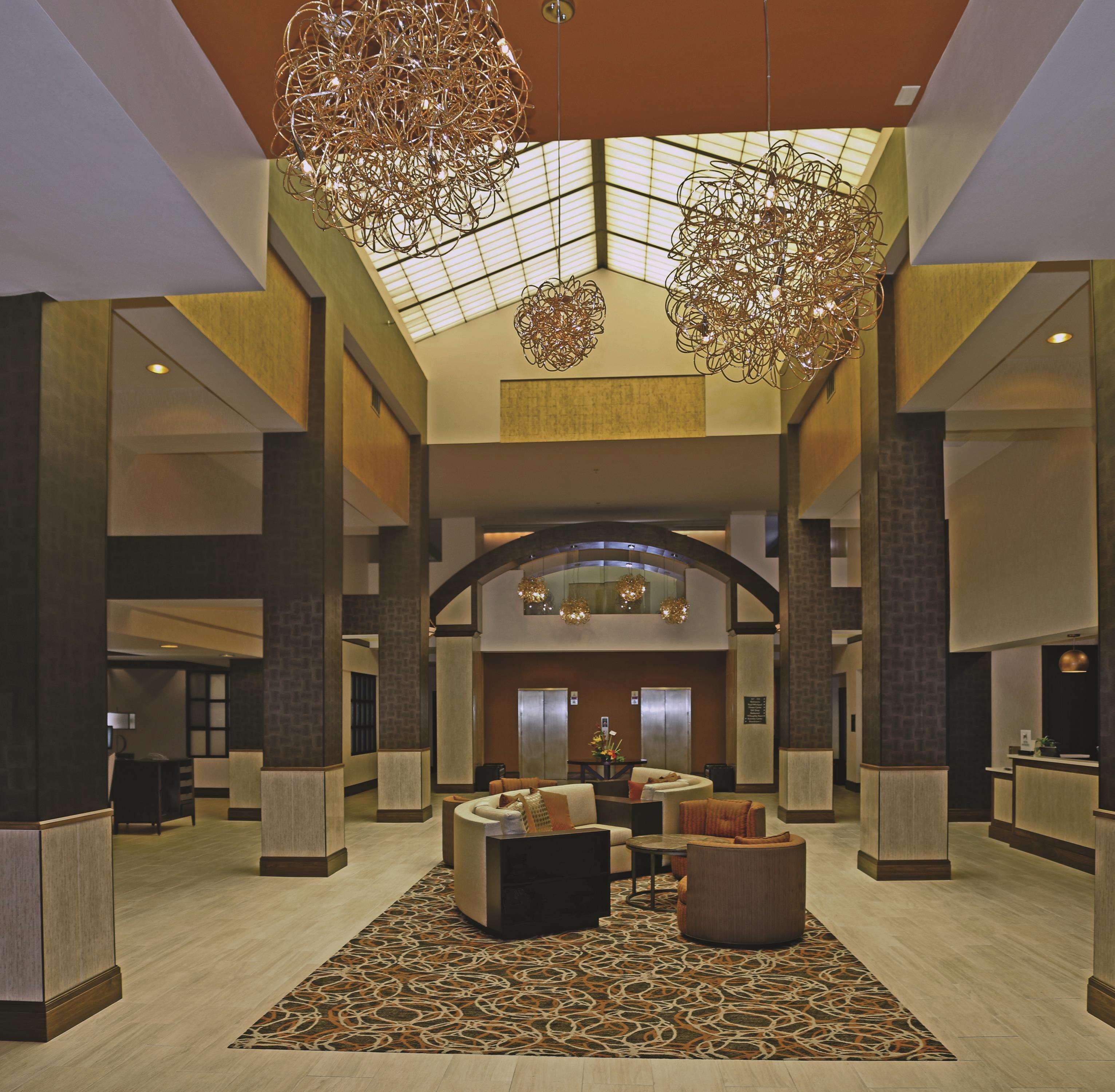 DoubleTree by Hilton Hotel Norfolk Airport image 1