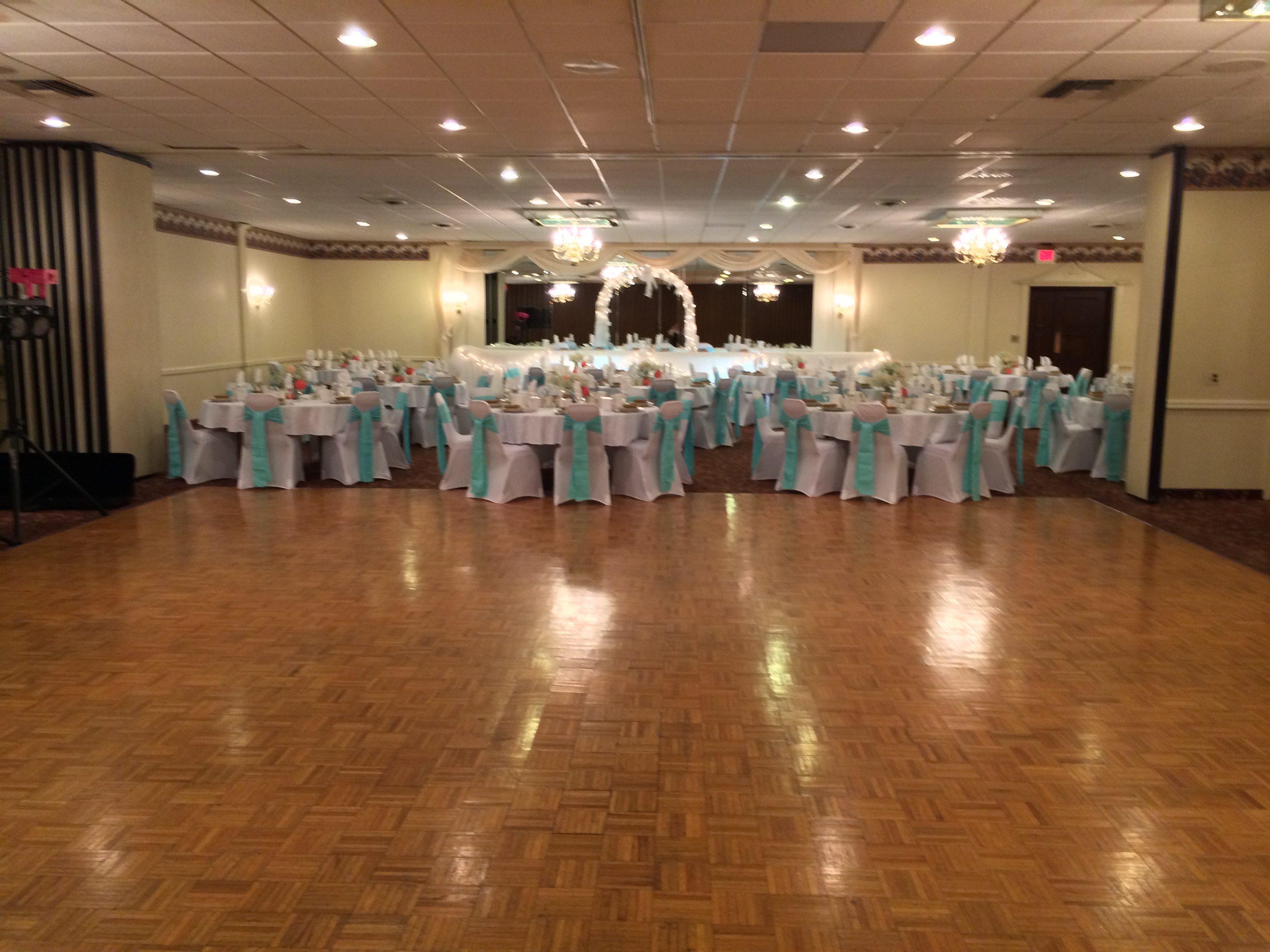 Corsi 39 s restaurant banquet halls in livonia mi 248 for Afghan cuisine banquet hall
