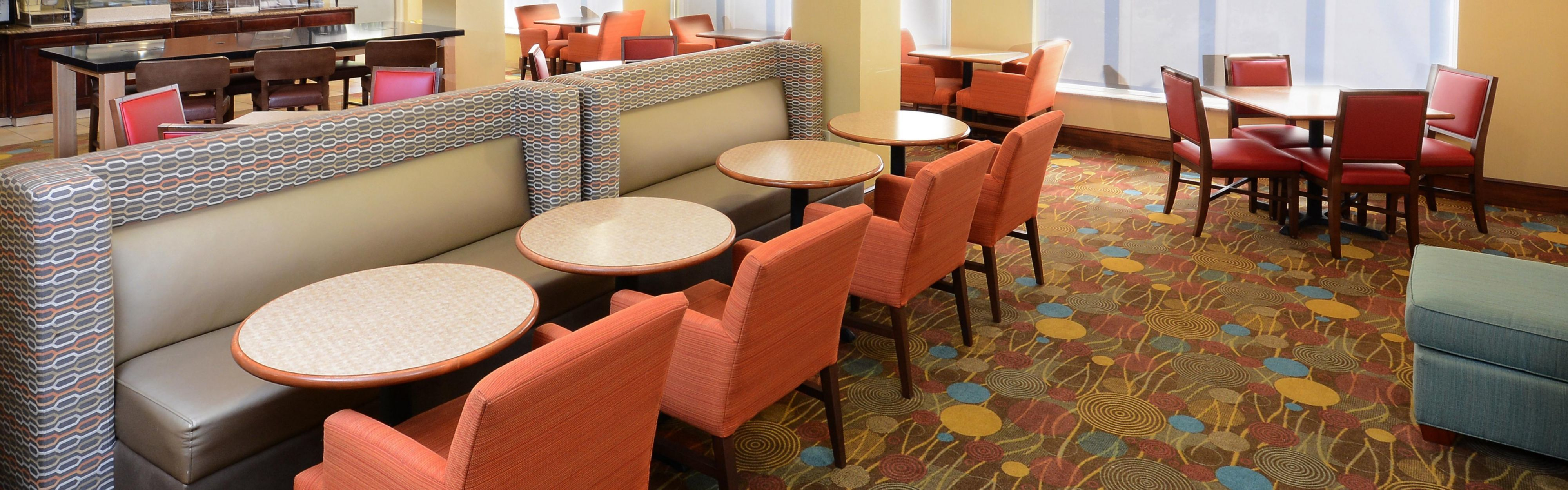 Holiday Inn Express & Suites Greensboro - Airport Area image 3