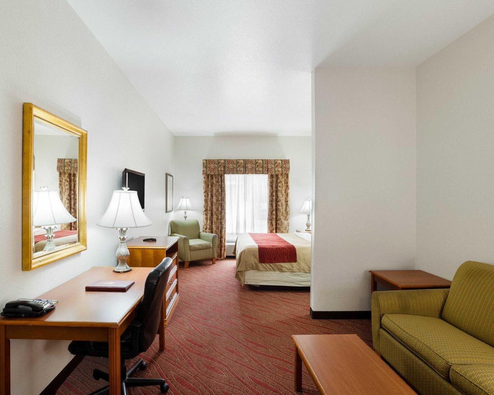 Comfort Inn & Suites Near Medical Center image 19
