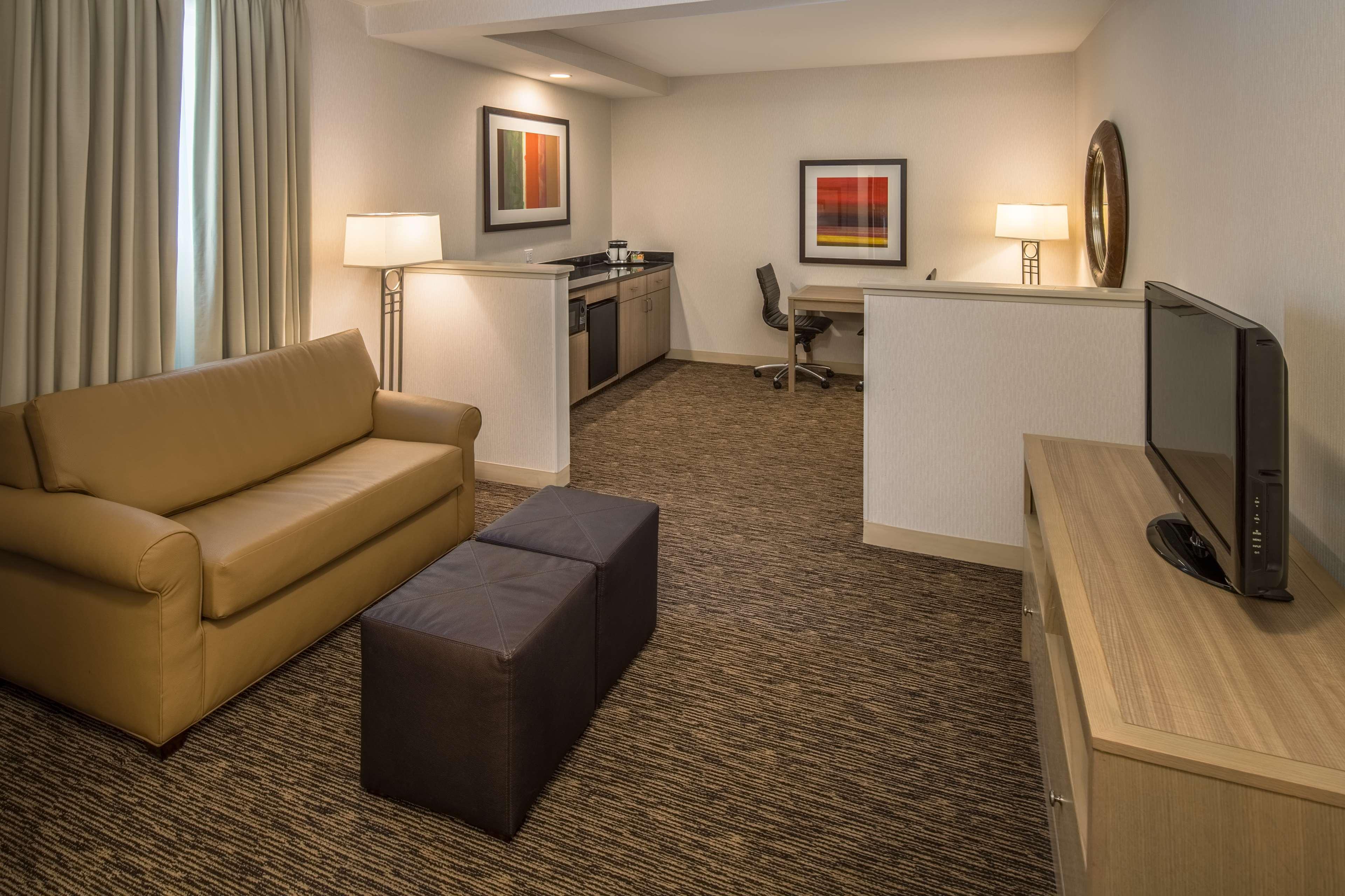 DoubleTree by Hilton Hotel Vancouver, Washington image 6