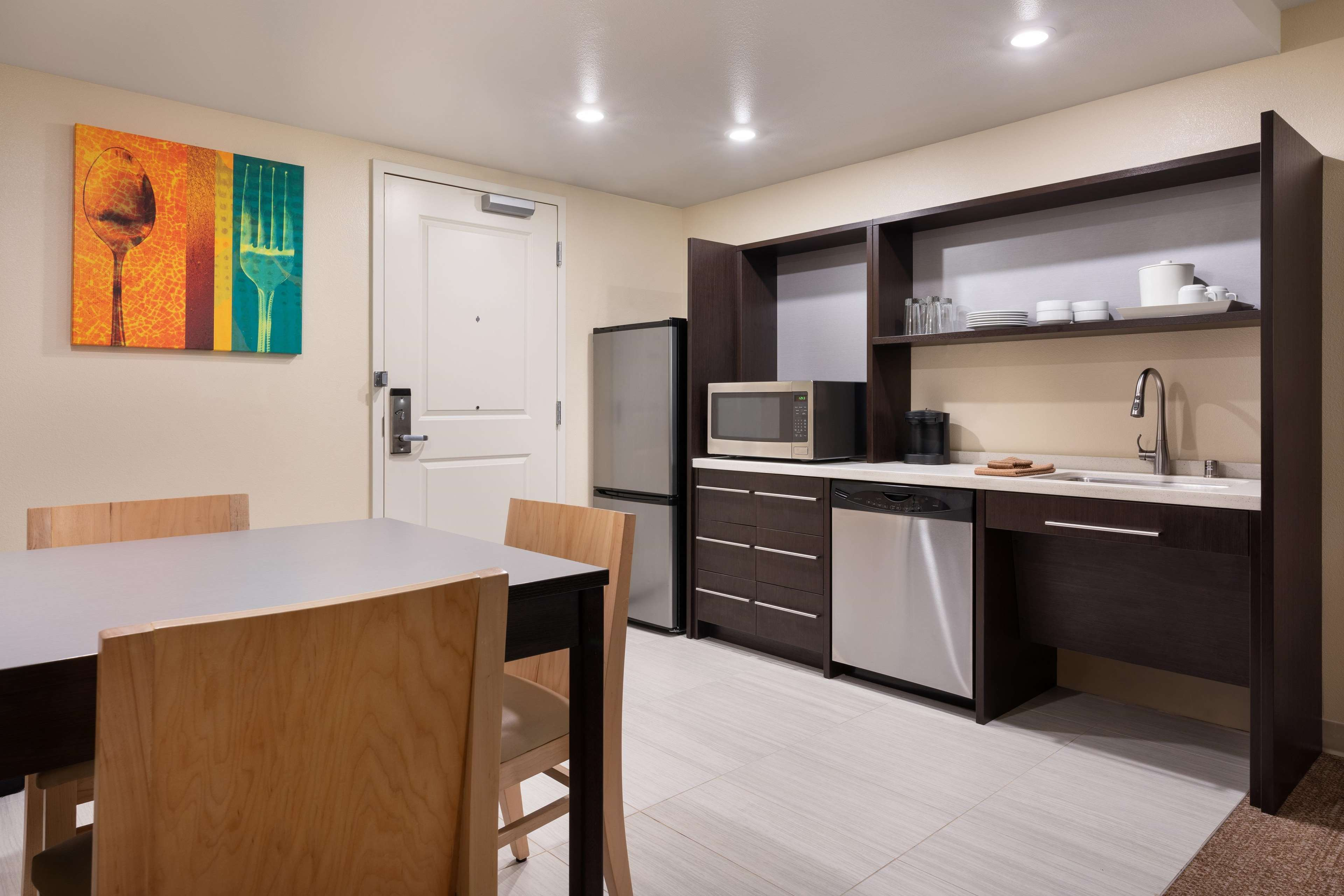 Home2 Suites by Hilton Anchorage/Midtown image 24