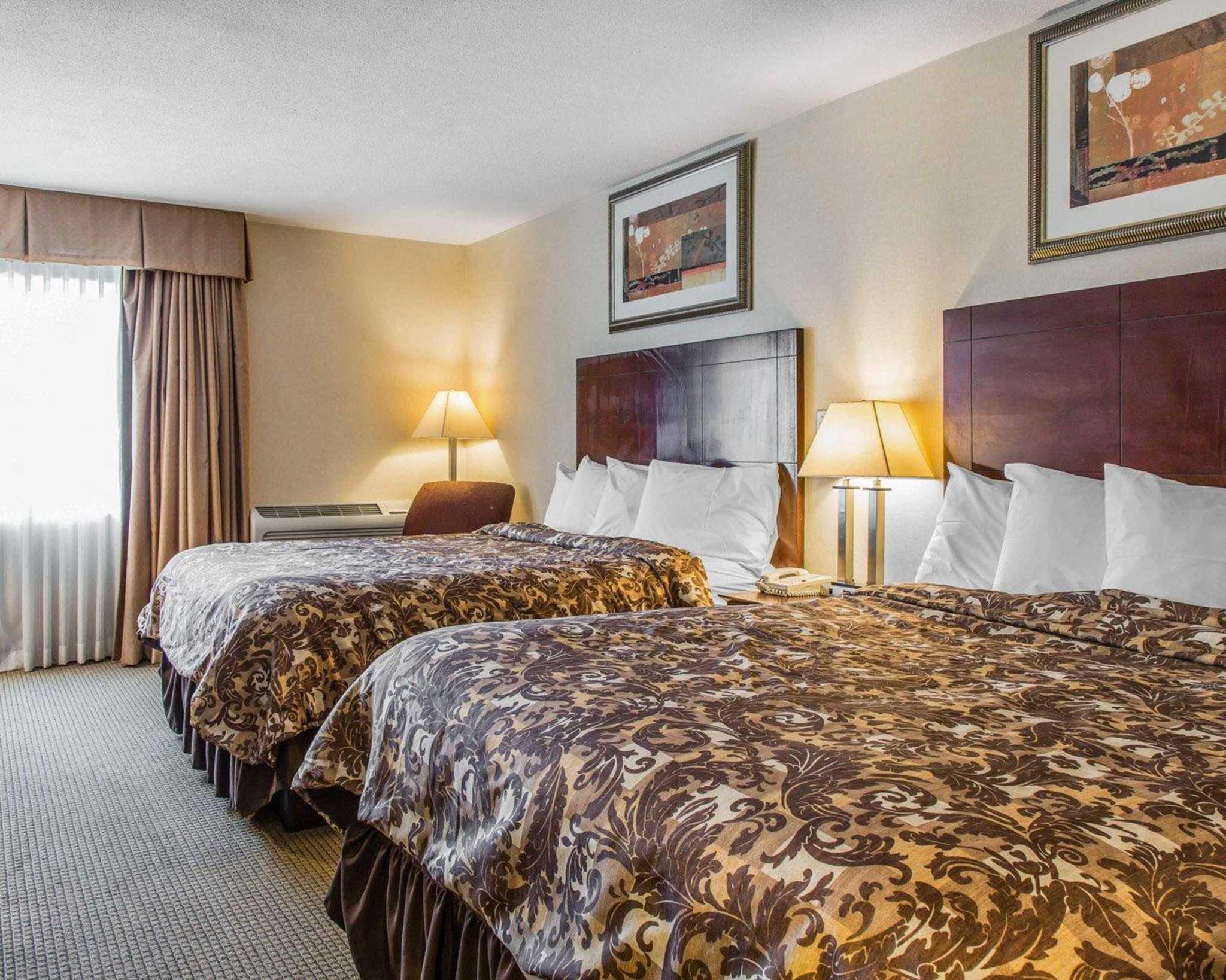 Rodeway Inn & Suites Bradley Airport image 25