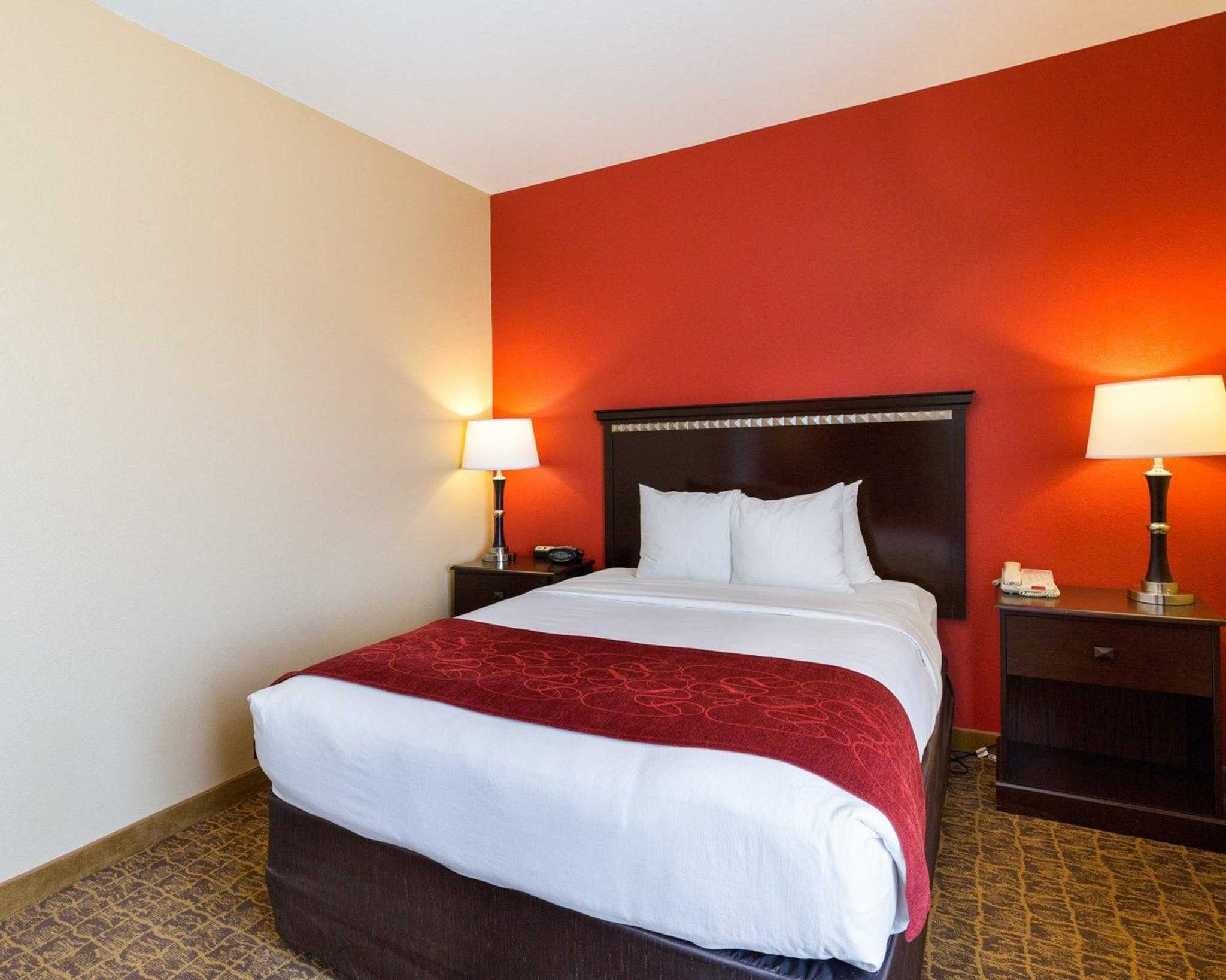 Comfort Suites Pearland - South Houston image 3