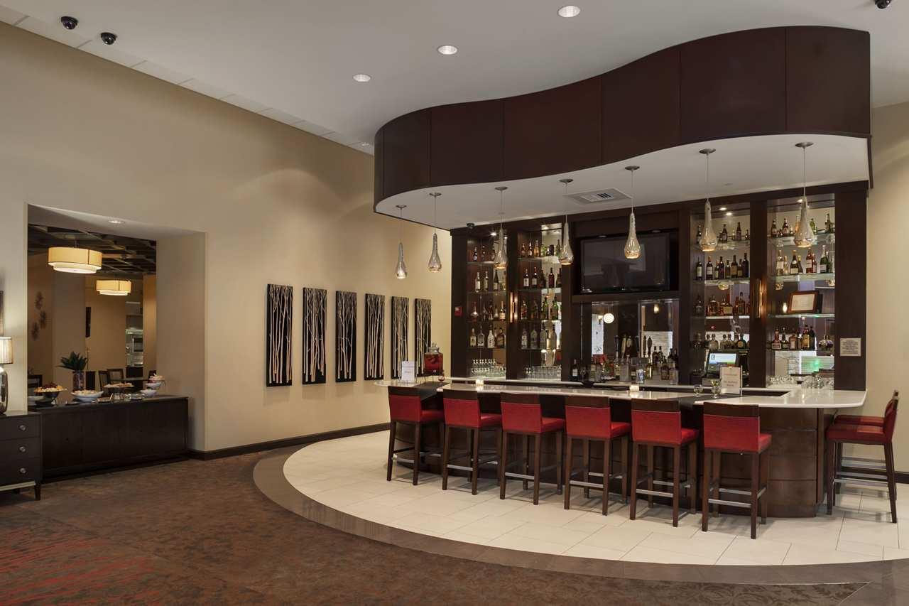 Embassy Suites by Hilton Savannah Airport image 4