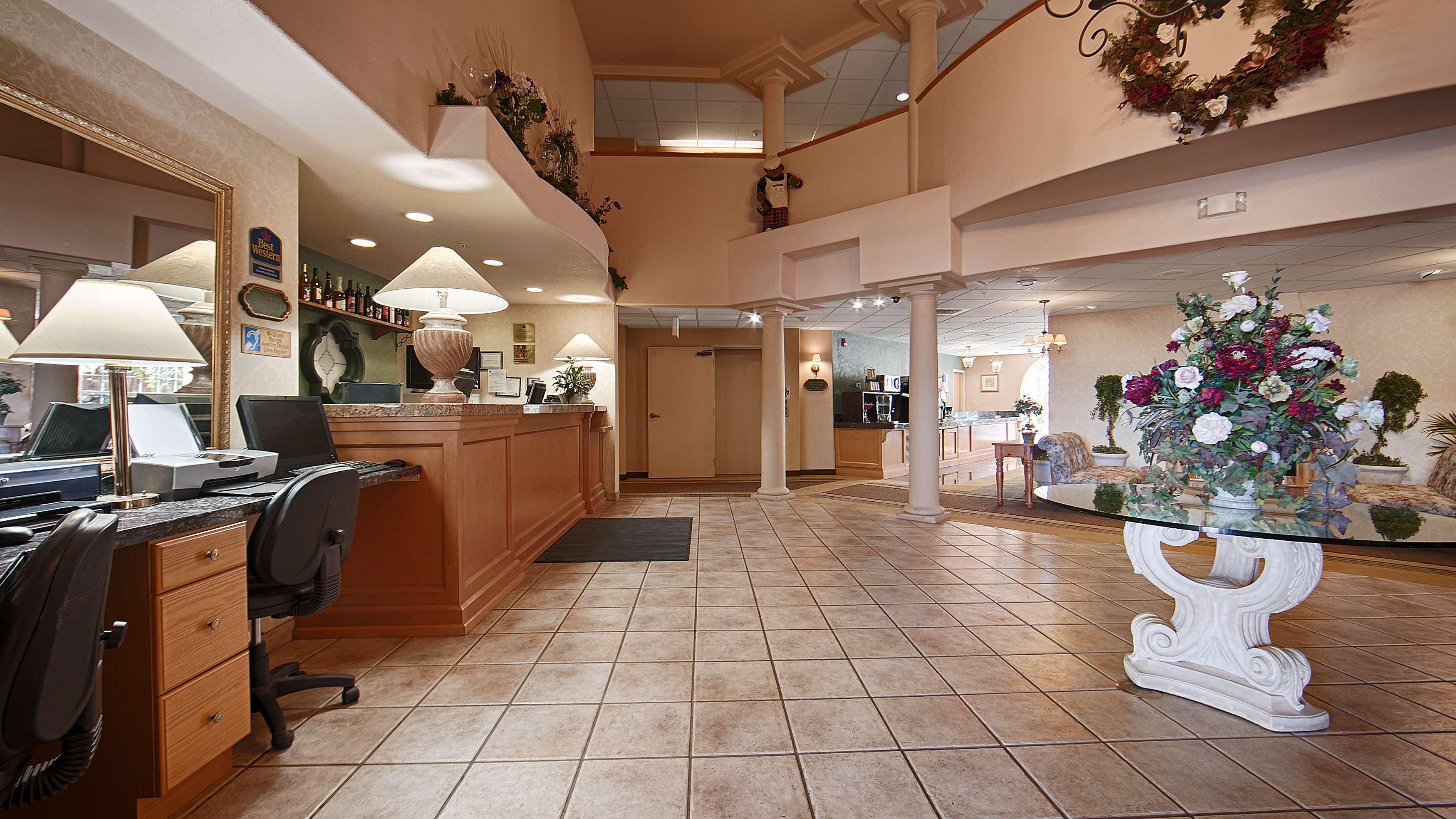 Best Western Plus Caldwell Inn & Suites image 11