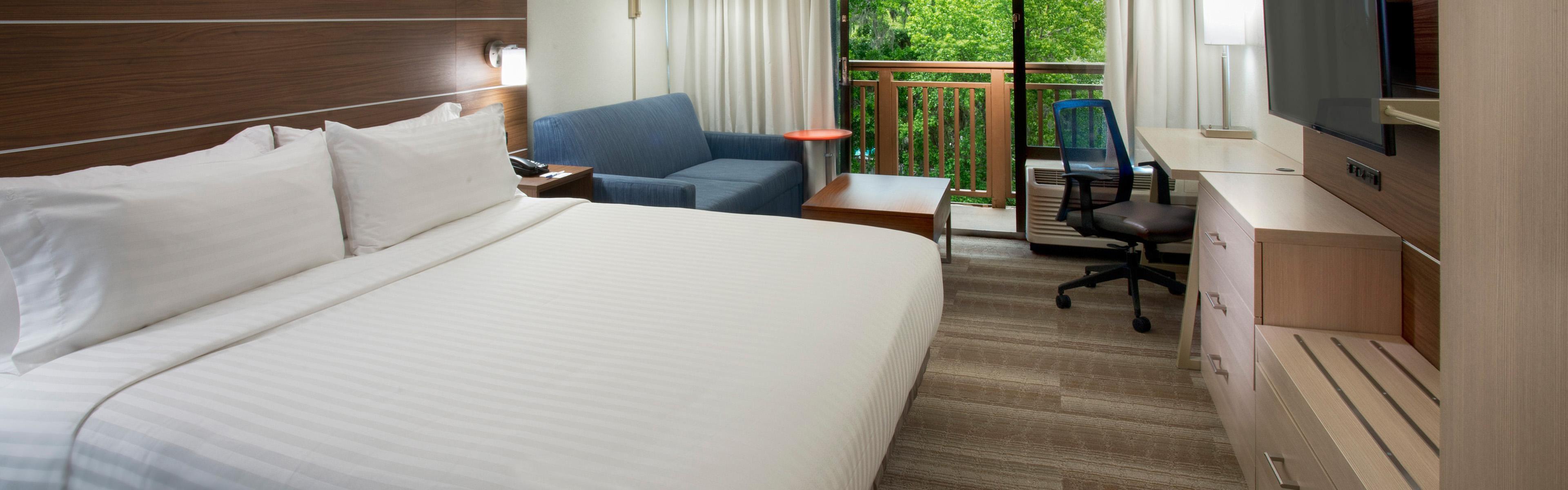 Holiday Inn Express Hilton Head Island image 1