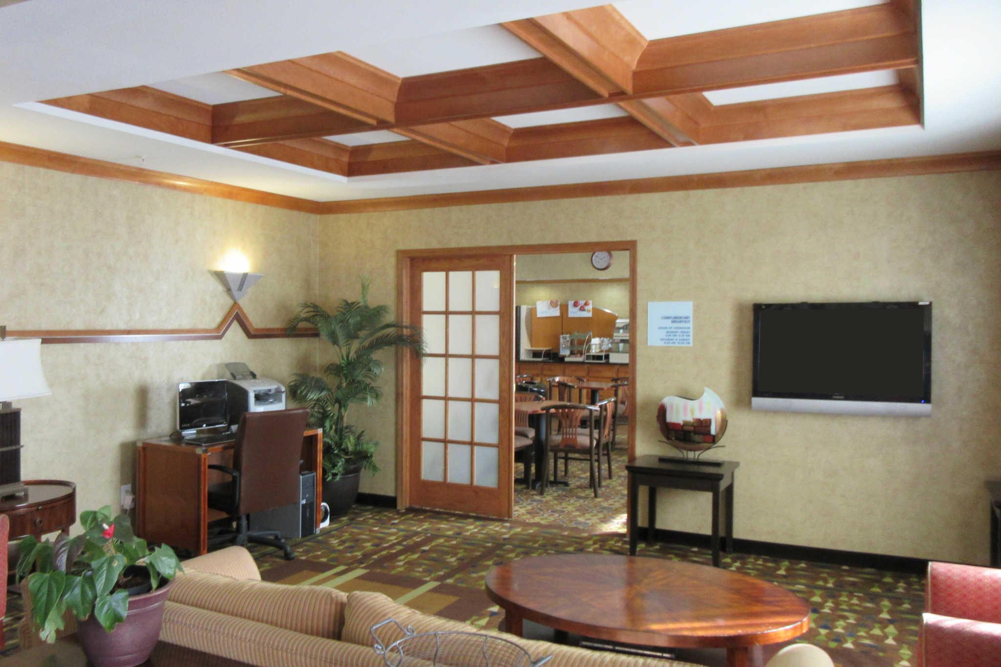 Clarion Inn & Suites image 1