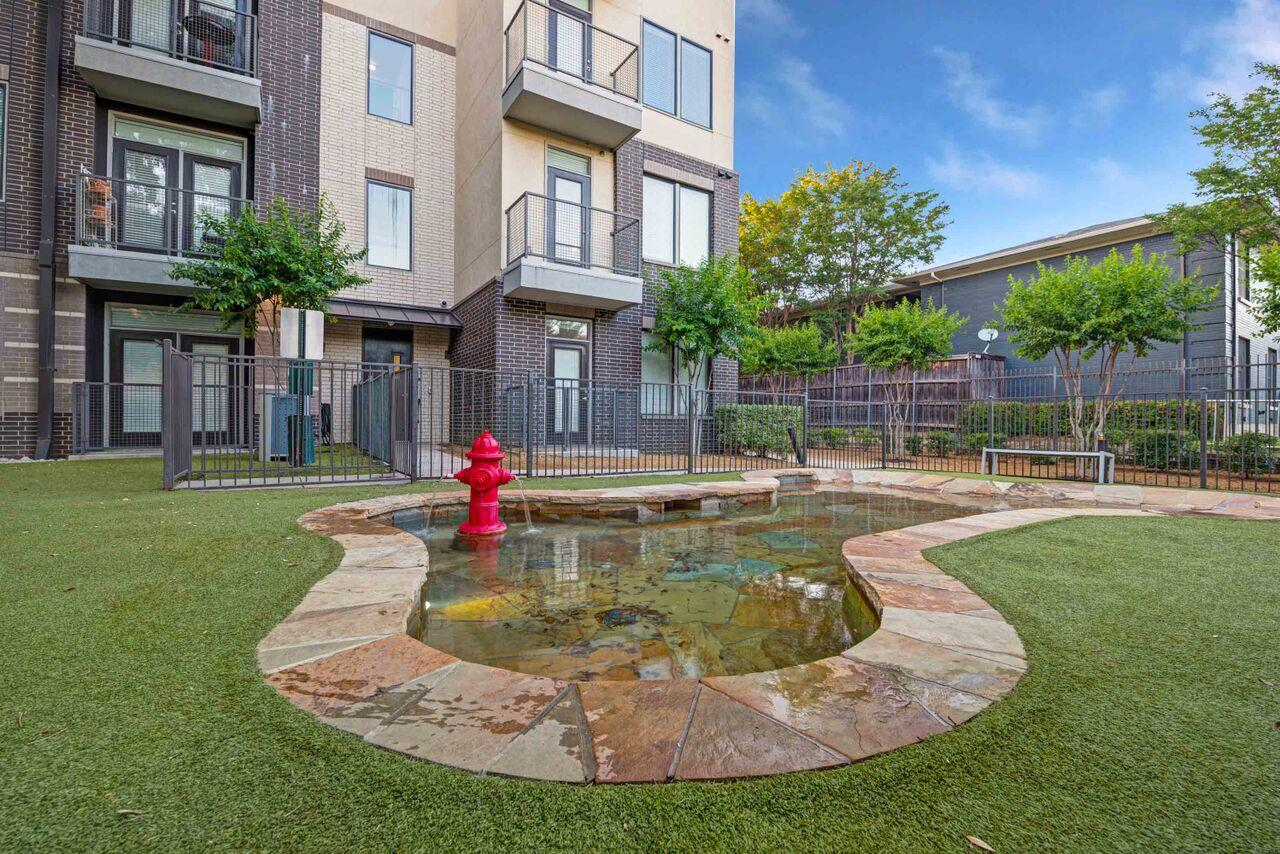 Ilume Park Apartments image 9