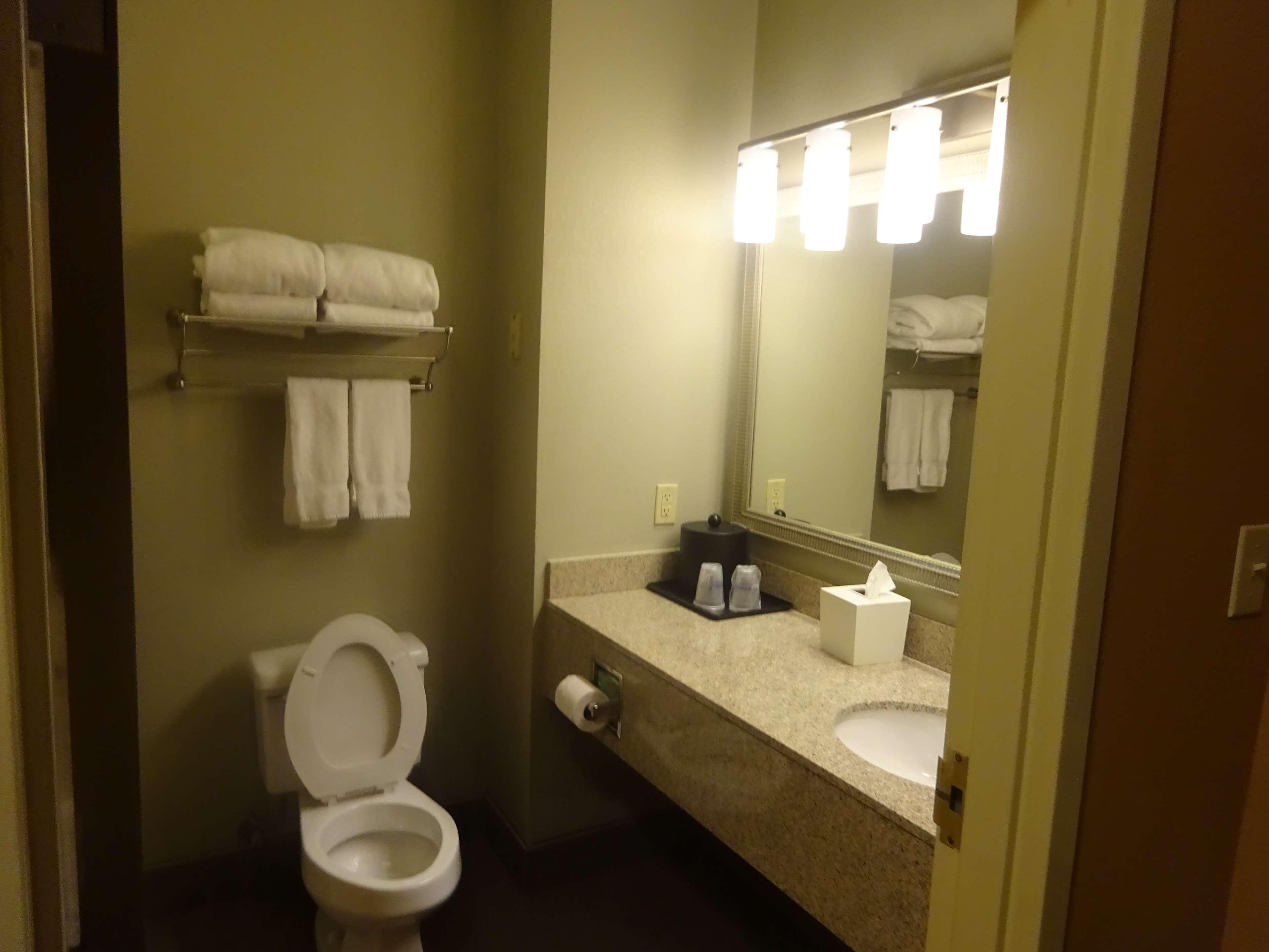 Best Western Plus Denton Inn & Suites image 26