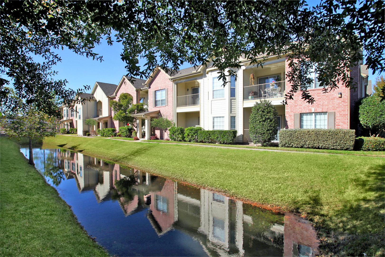 The Bellagio Apartments in Houston, TX image 9