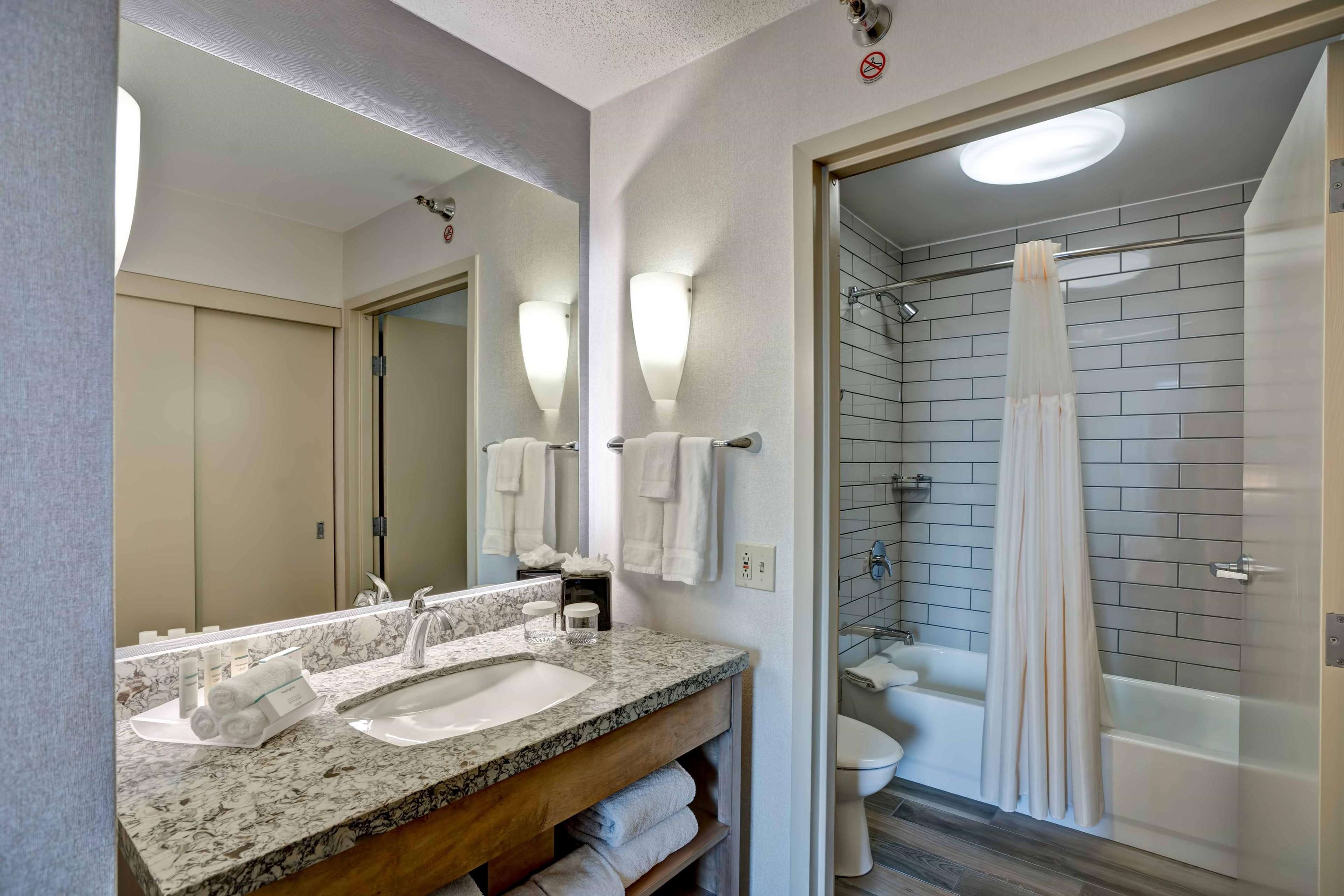 Homewood Suites by Hilton Chicago-Downtown image 41