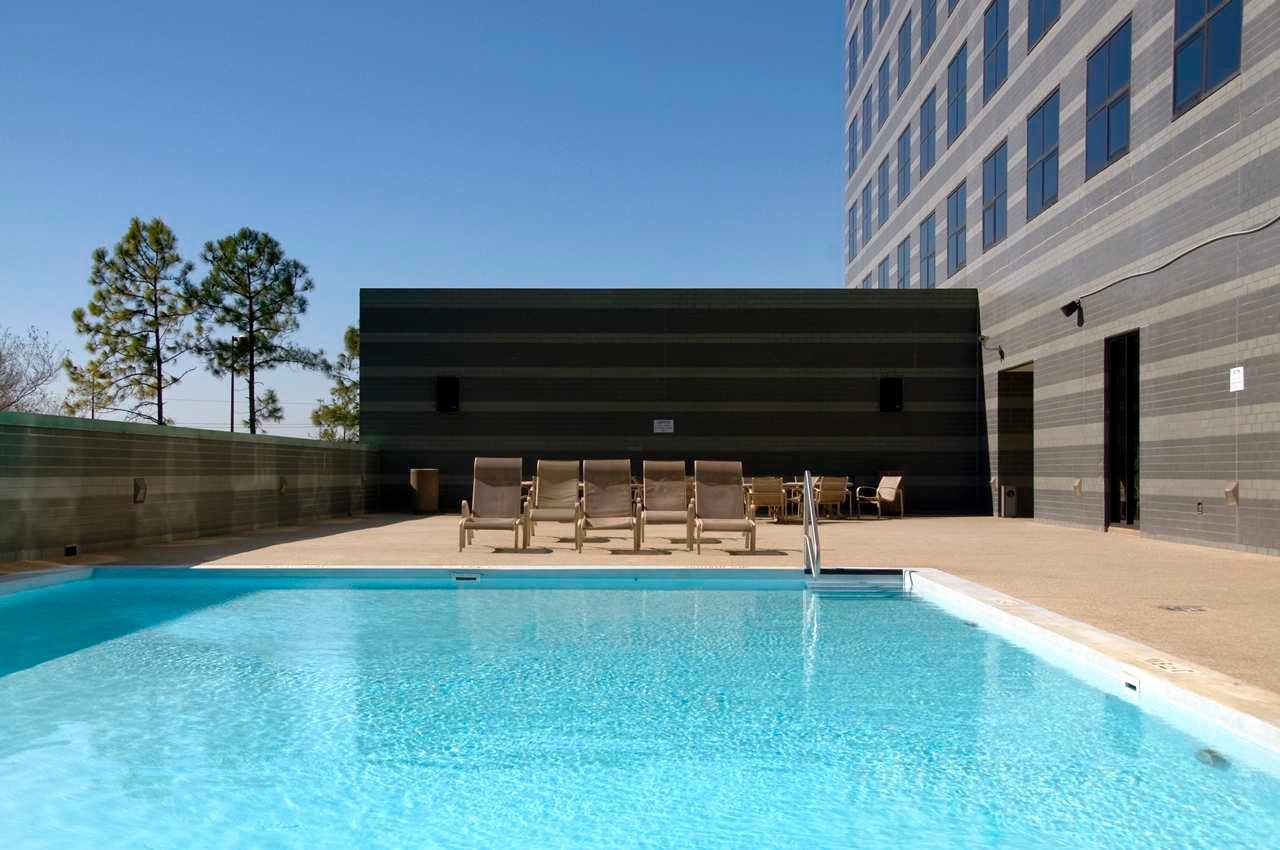 Hilton houston north at 12400 greenspoint drive houston - Intercontinental park lane swimming pool ...
