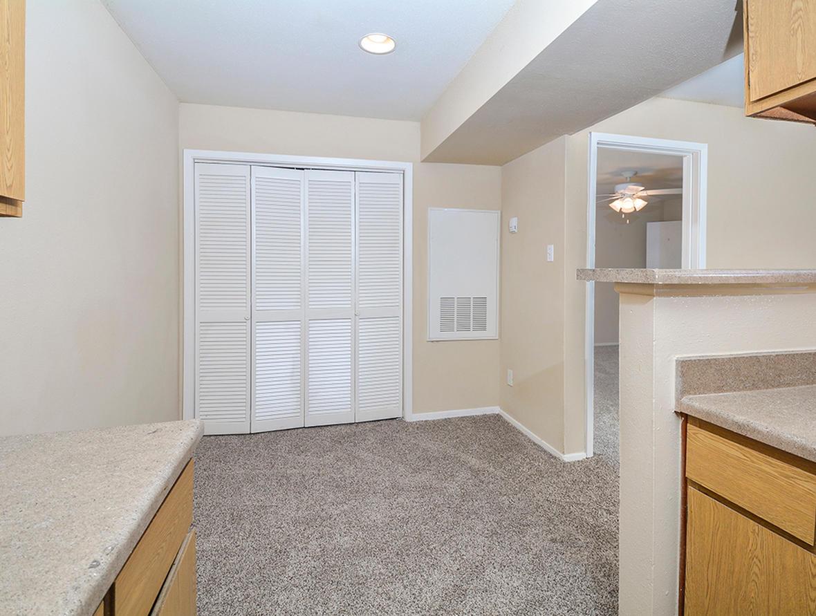 Cricket Hollow Apartments