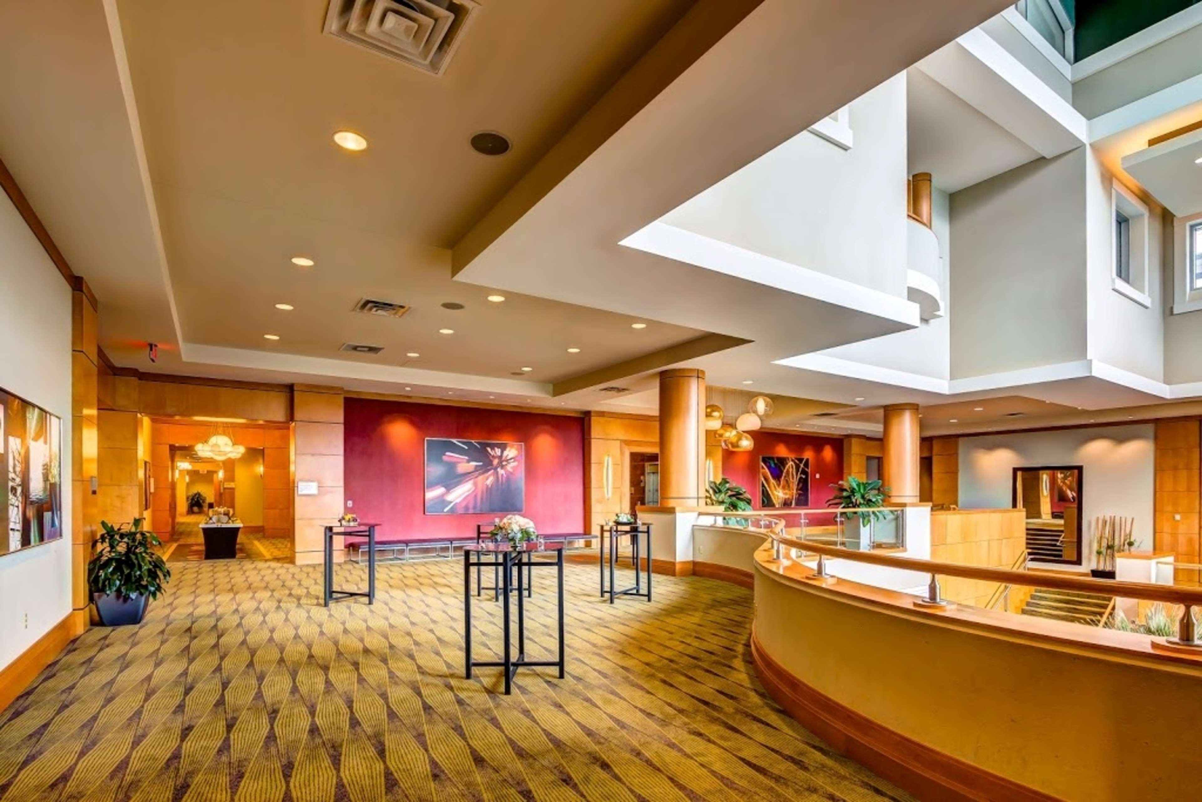 Embassy Suites by Hilton Houston Energy Corridor image 10