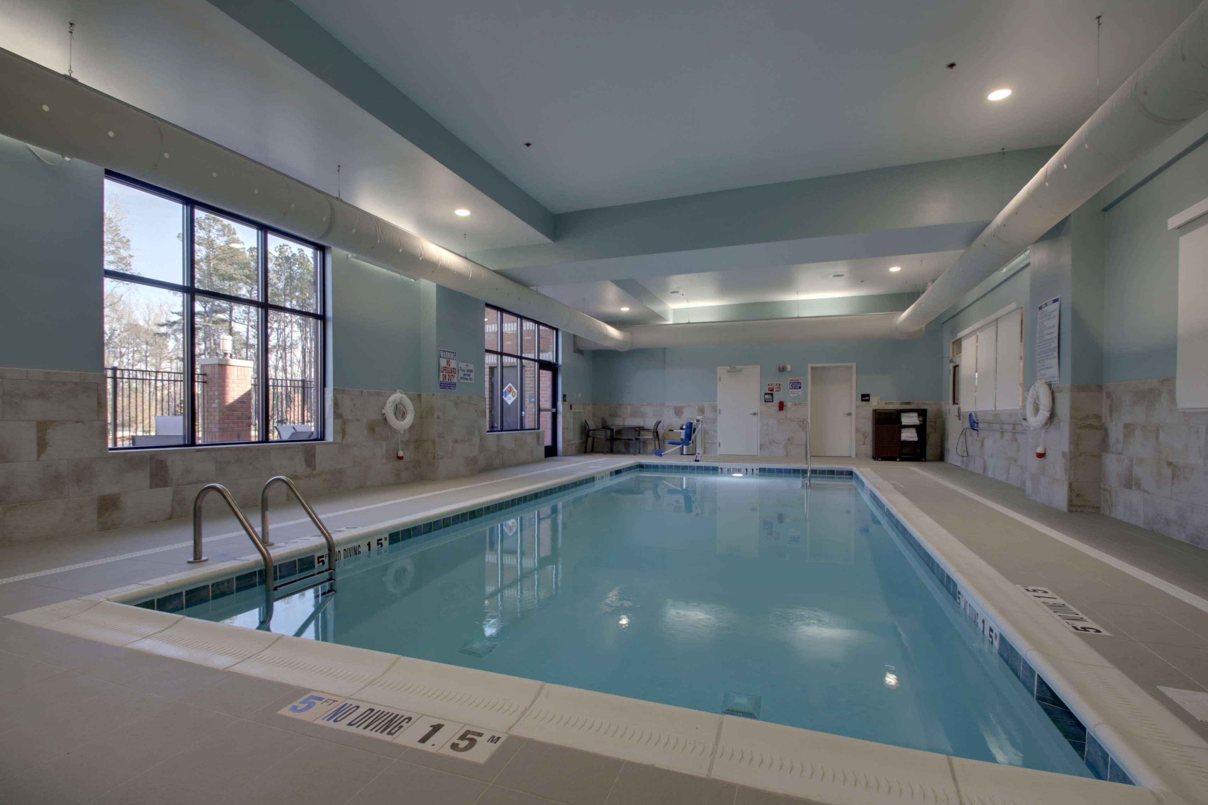 Hampton Inn & Suites Knightdale Raleigh image 5