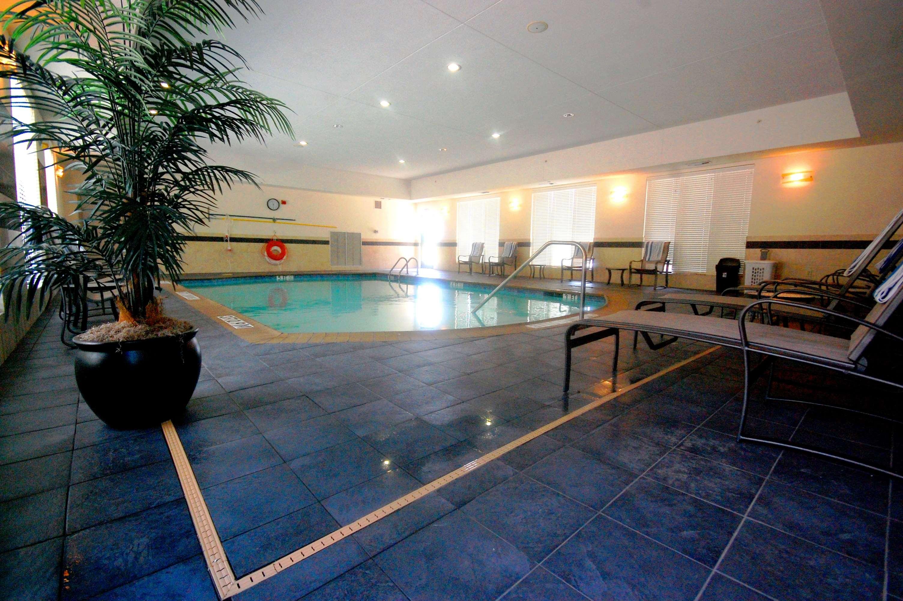 Hampton Inn & Suites Mount Pleasant image 10