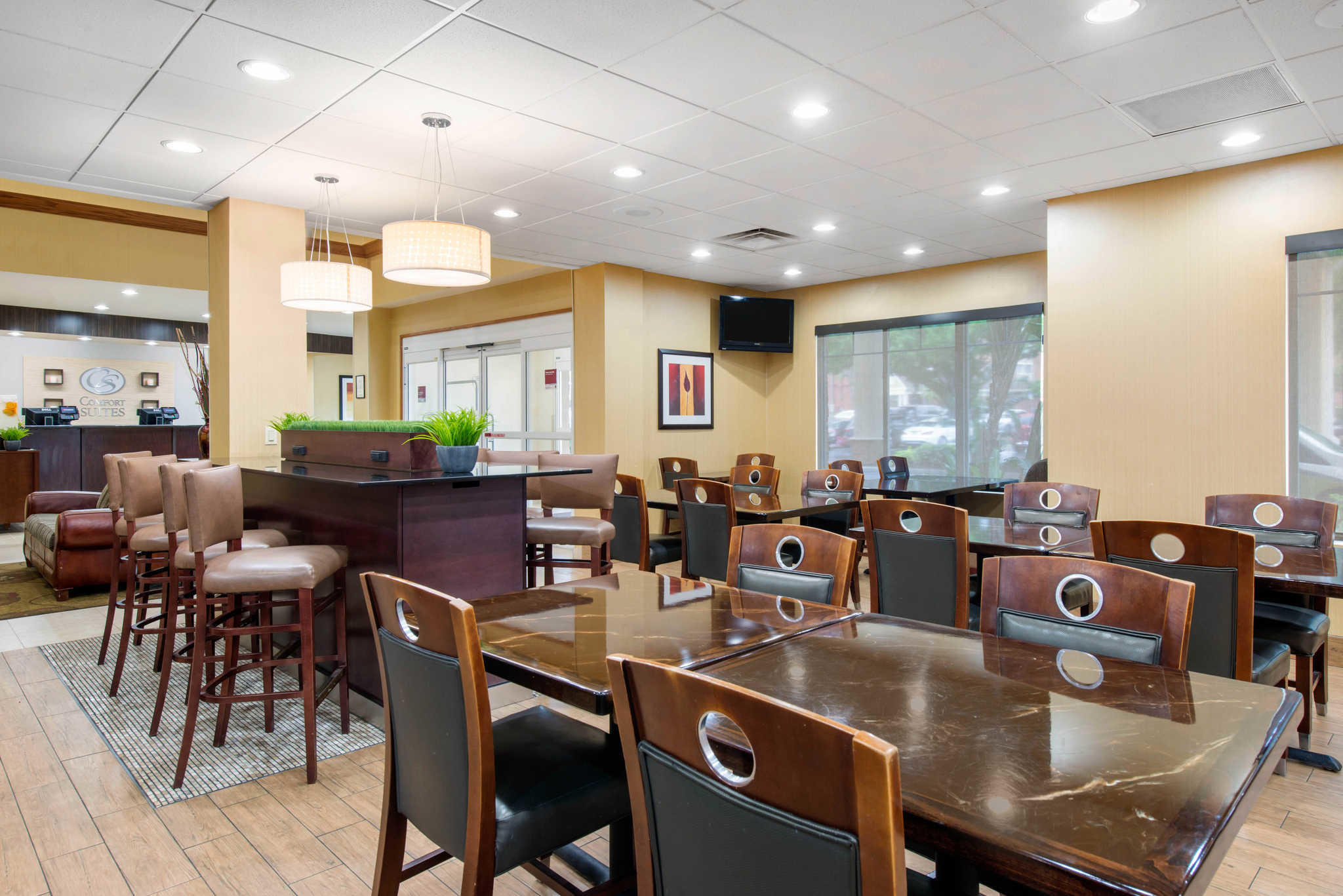 Comfort Suites Near Universal Orlando Resort image 22