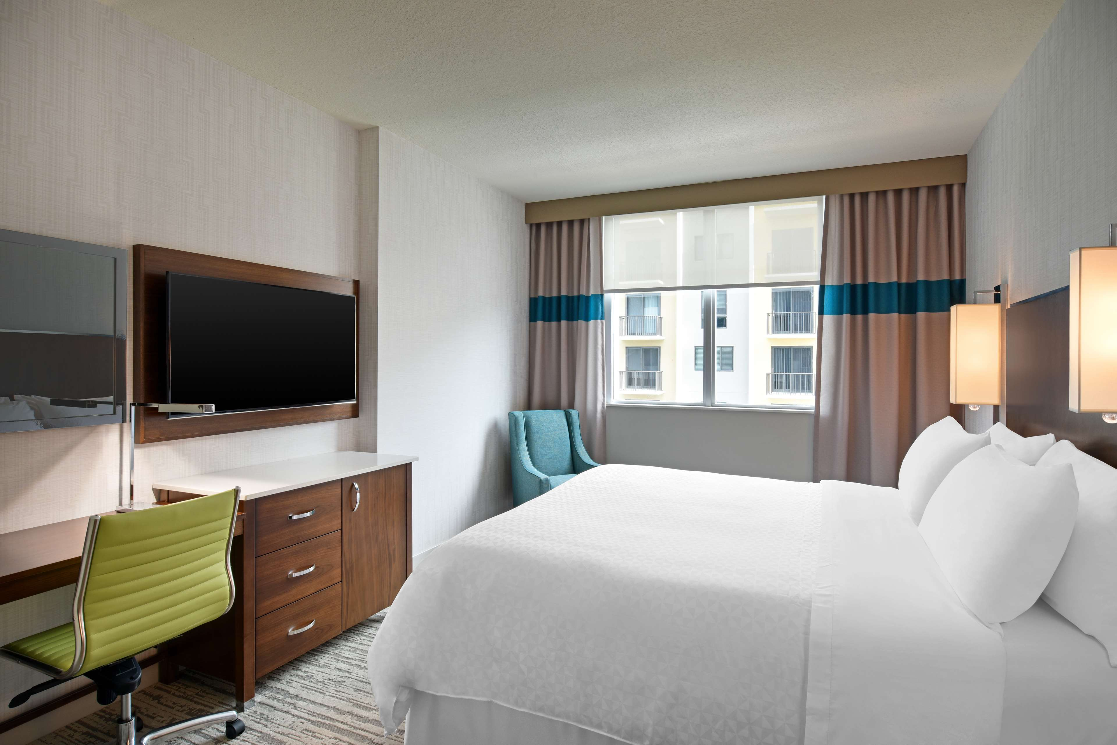 Four Points by Sheraton Coral Gables image 3