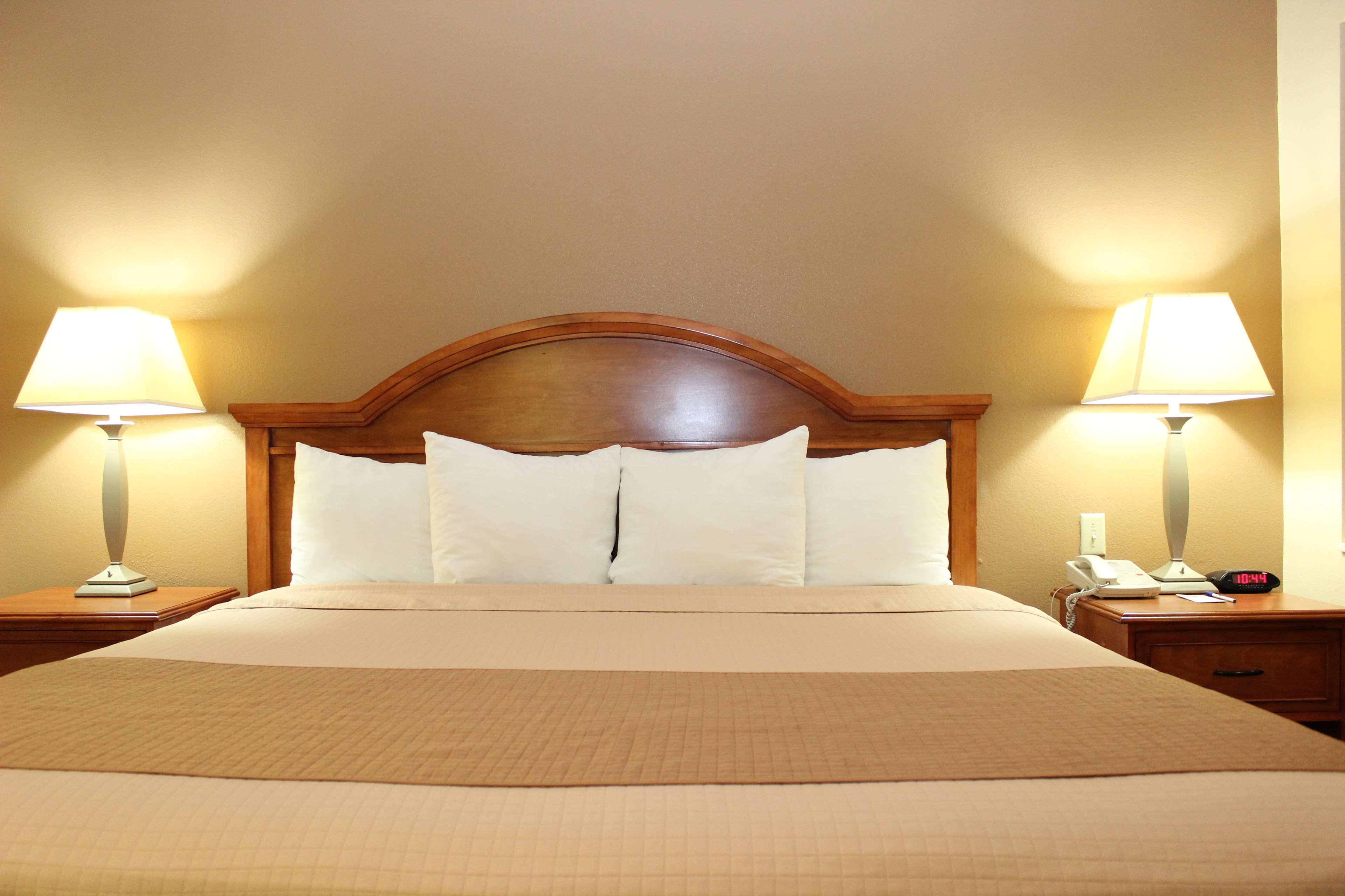 Best Western Inn of Navasota image 25