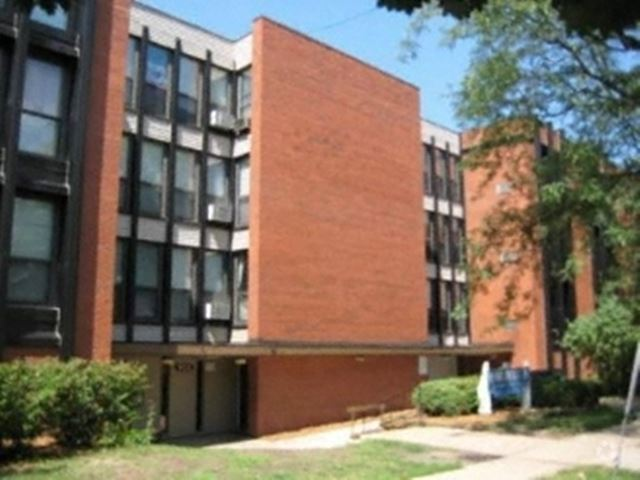 920 on Park Apartments image 1