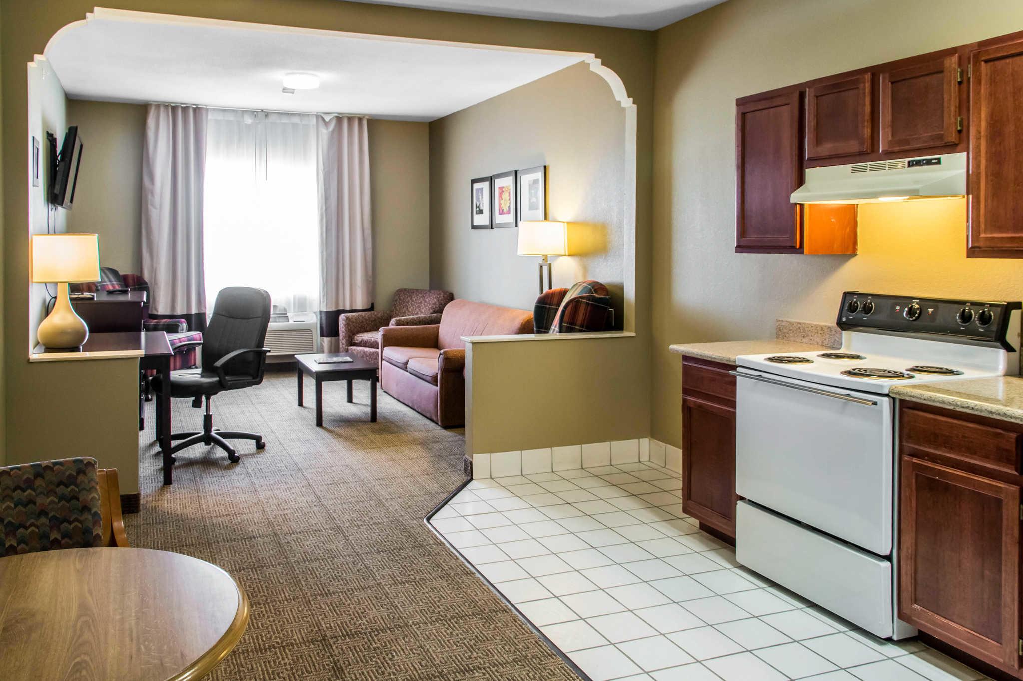 Comfort Suites Round Rock - Austin North I-35 image 11