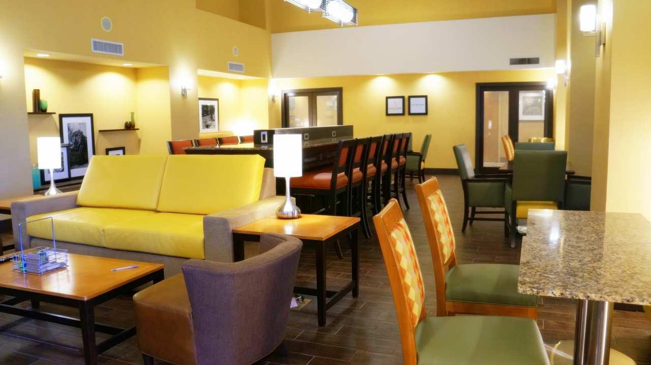 Hampton Inn & Suites Kingman image 4