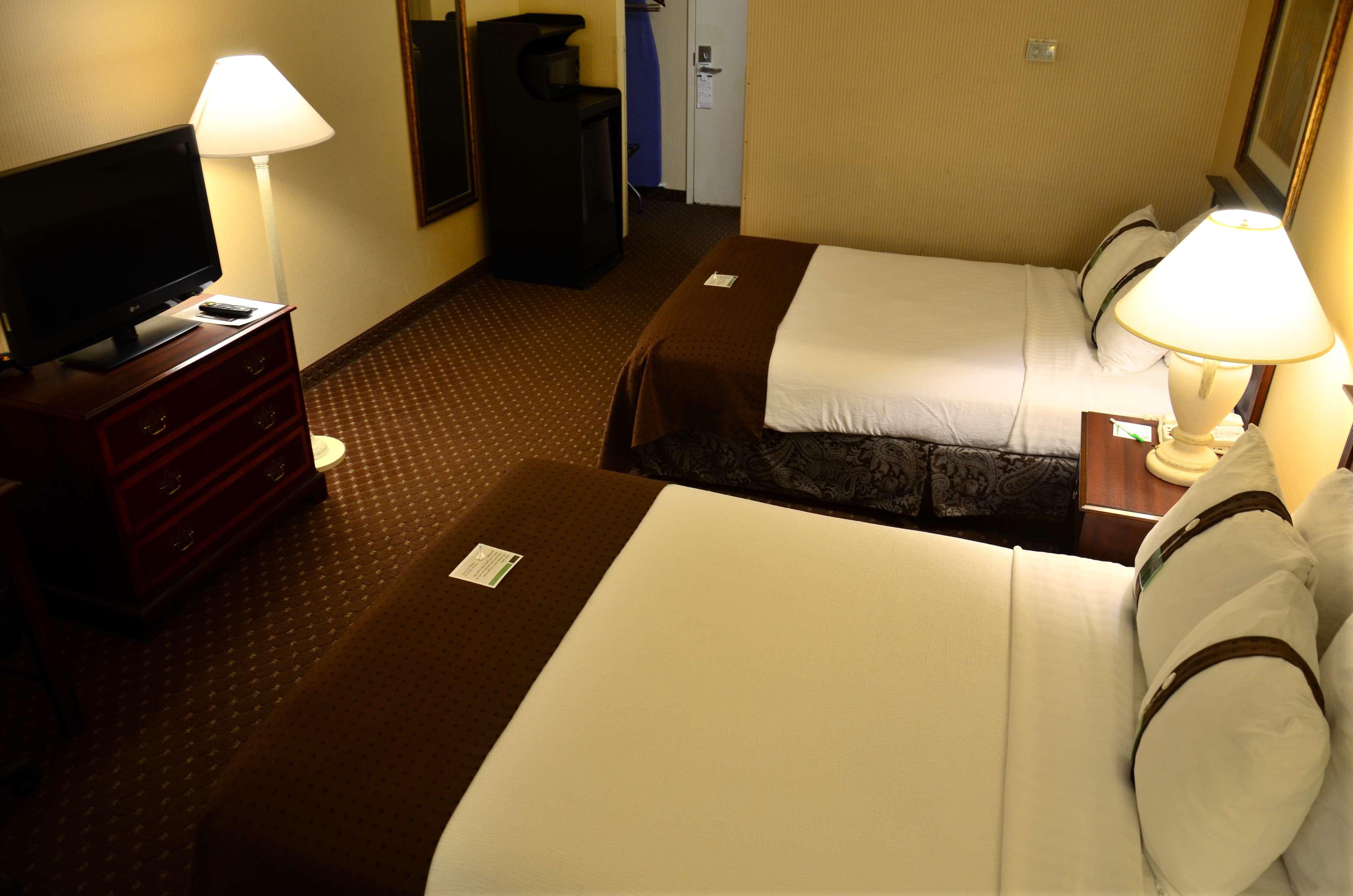 SureStay Plus Hotel by Best Western Kansas City Northeast image 11