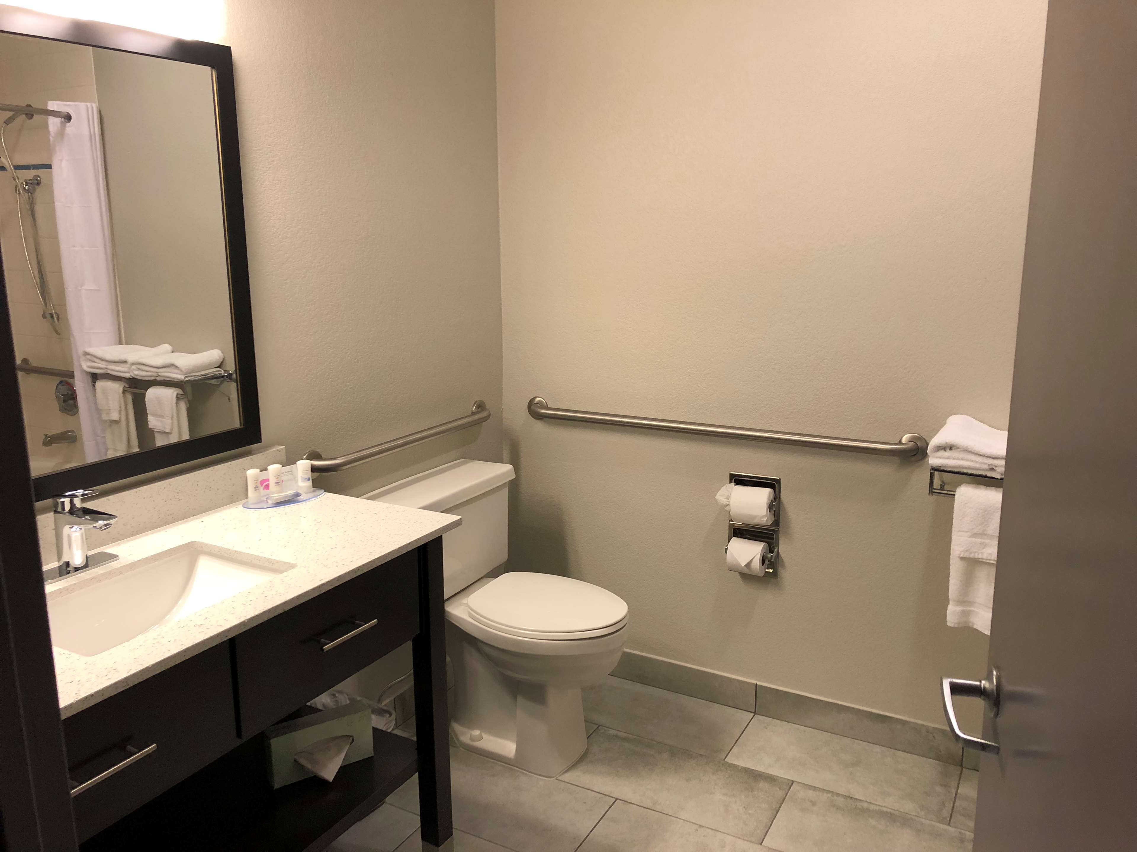 SureStay Plus Hotel by Best Western Moses Lake image 12