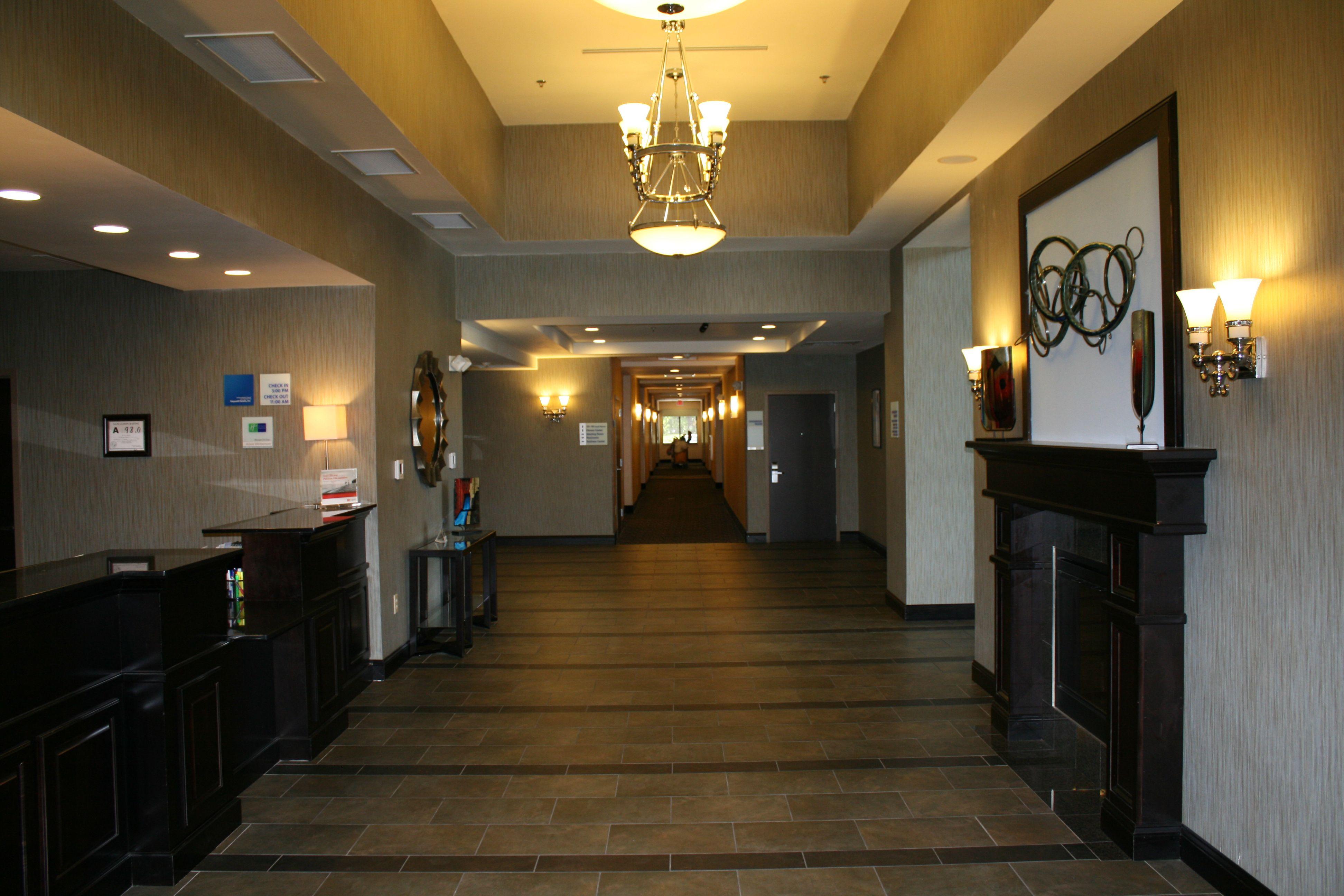 Holiday Inn Express Rockingham image 1