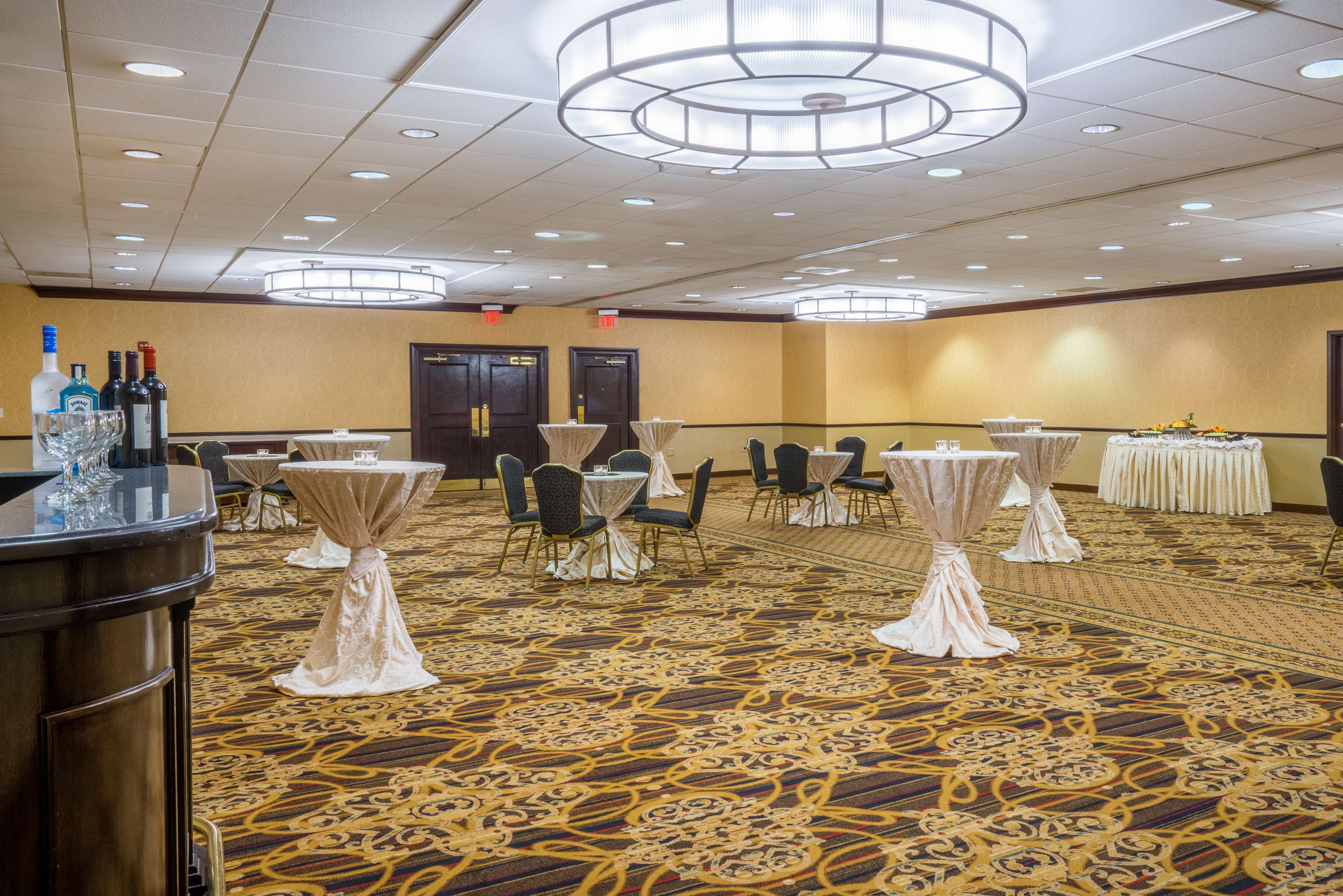 DoubleTree by Hilton McLean Tysons image 30