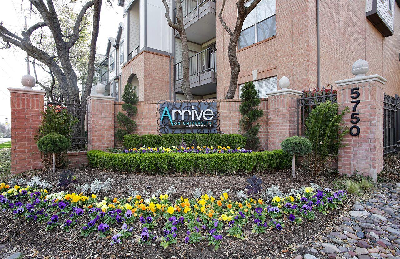 Arrive on University Apartment Homes