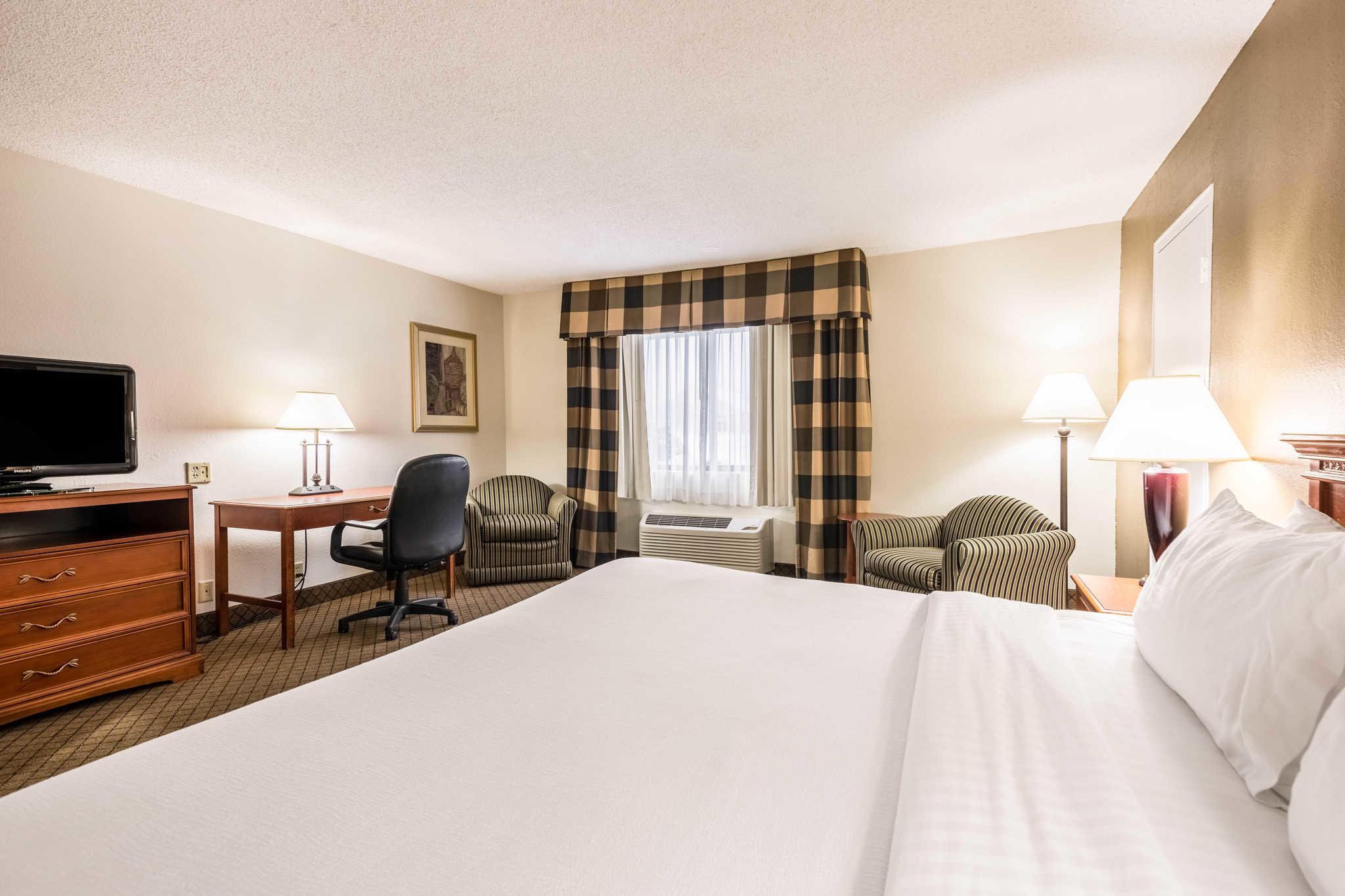 Quality Inn near Finger Lakes and Seneca Falls image 17