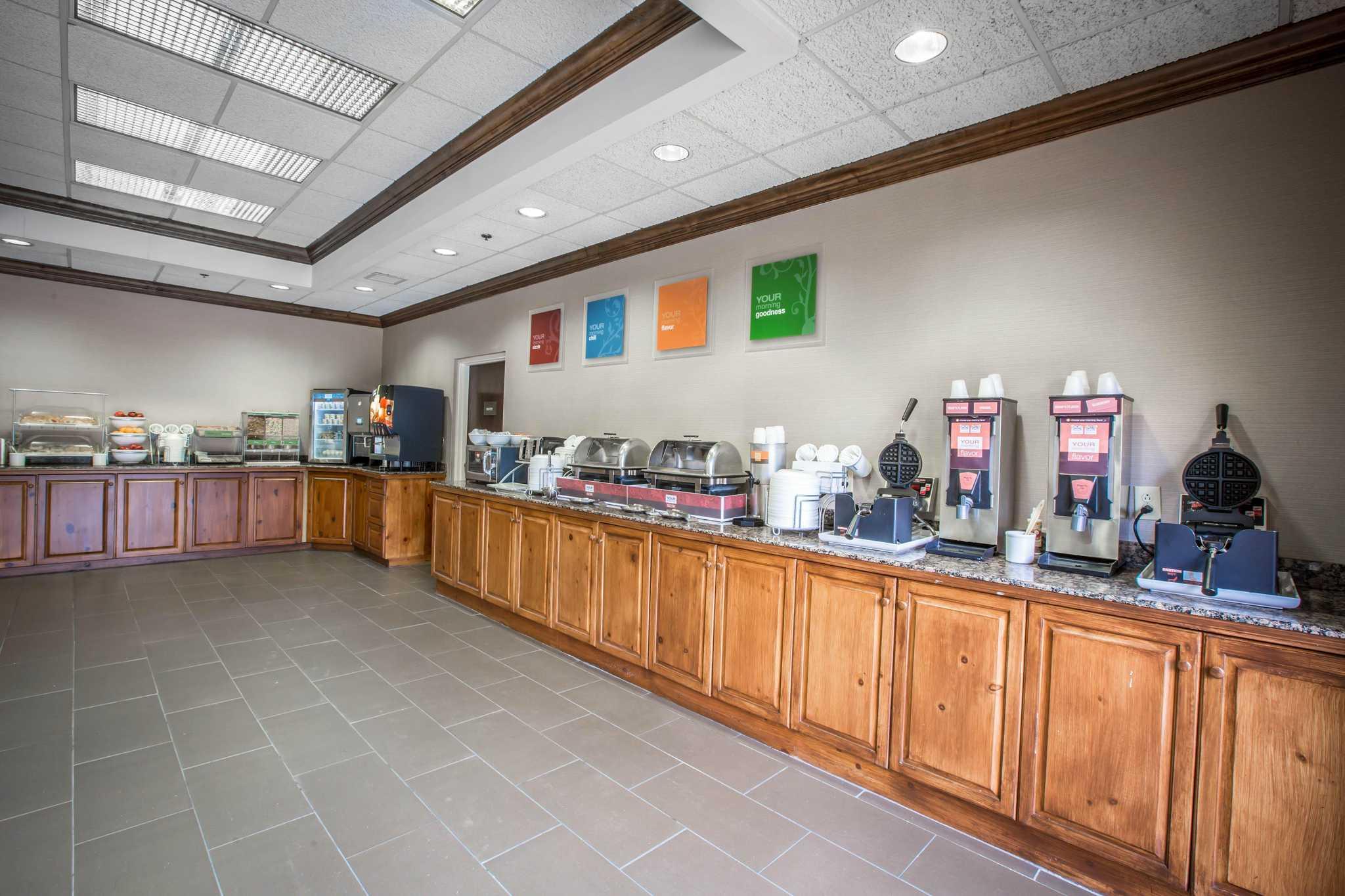 Comfort Suites Mountain Mile Area image 31